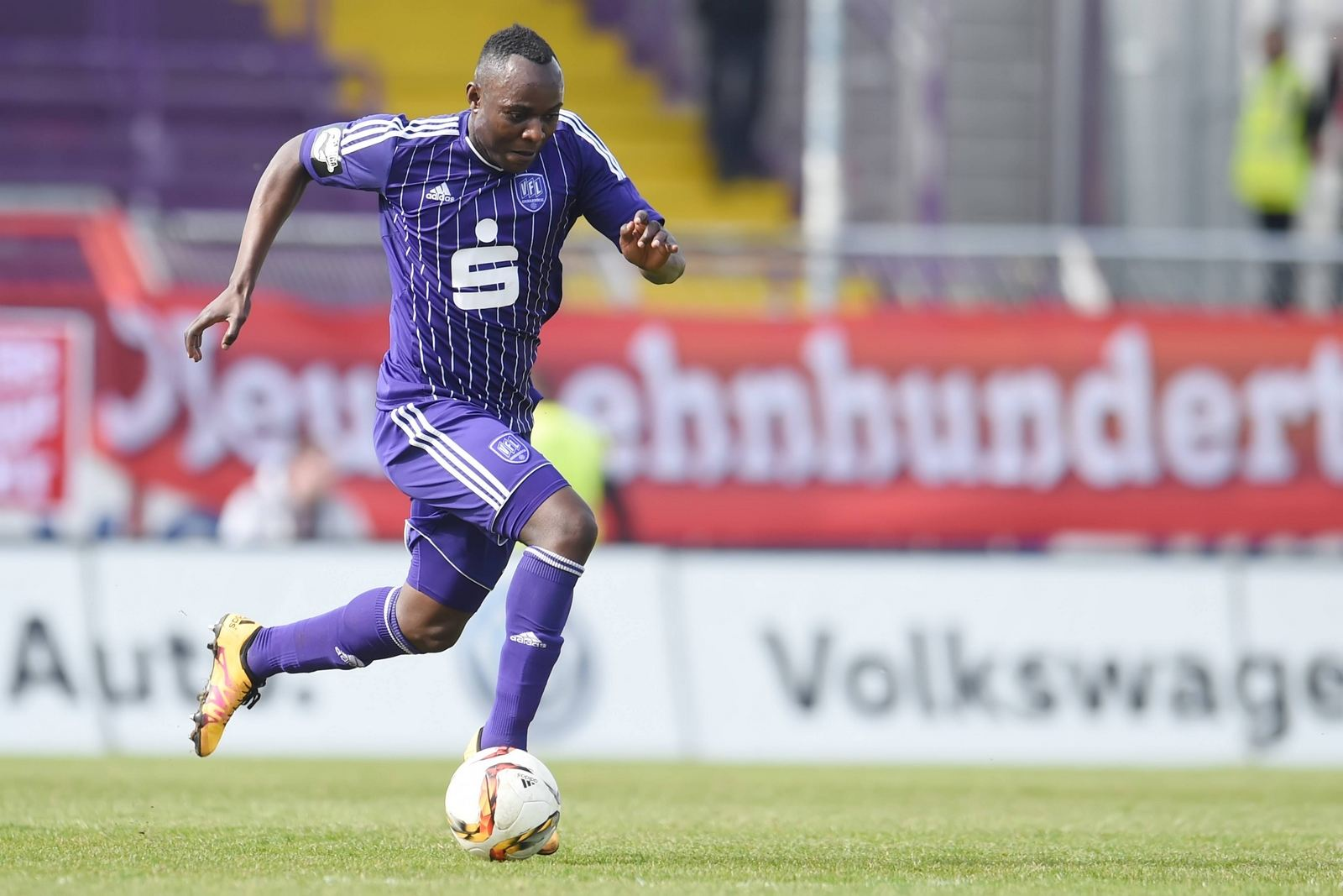 Addy Menga vom VfL Osnabrück im Sprint.