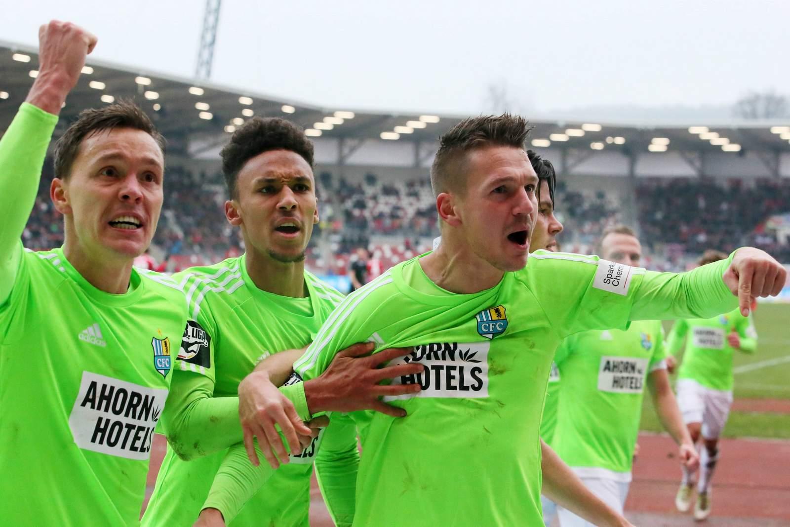 Jubelnde Spieler des Chemnitzer FC