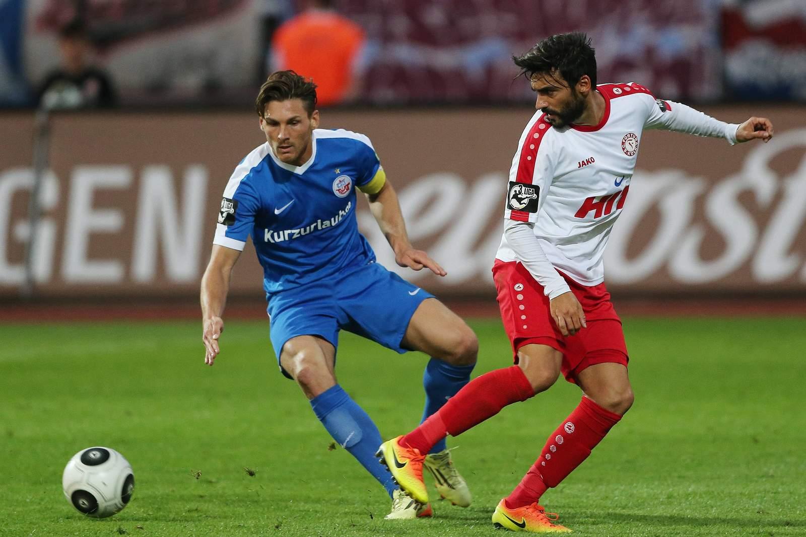 Michael Gardawski gegen Selcuk Alibaz. Jetzt auf die Partie Hansa Rostock gegen Fortuna Köln wetten