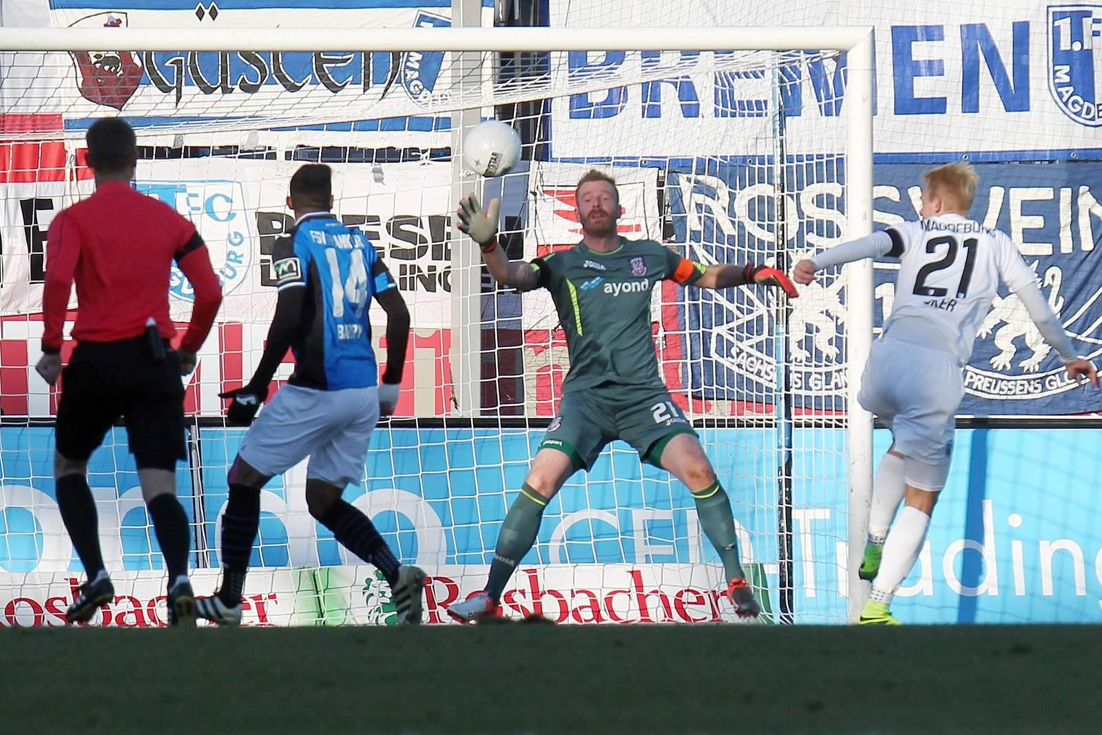 Julius Düker mit Kopfballtor gegen FSV Frankfurt