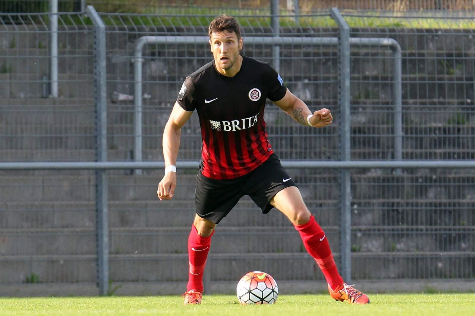 Kevin Pezzoni, Spieler vom SV Wehen Wiesbaden.