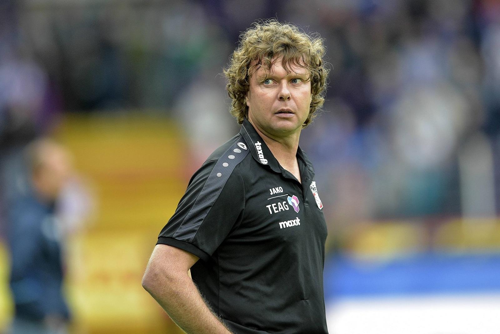 Auf der Kippe: Erfurts Coach Stefan Krämer