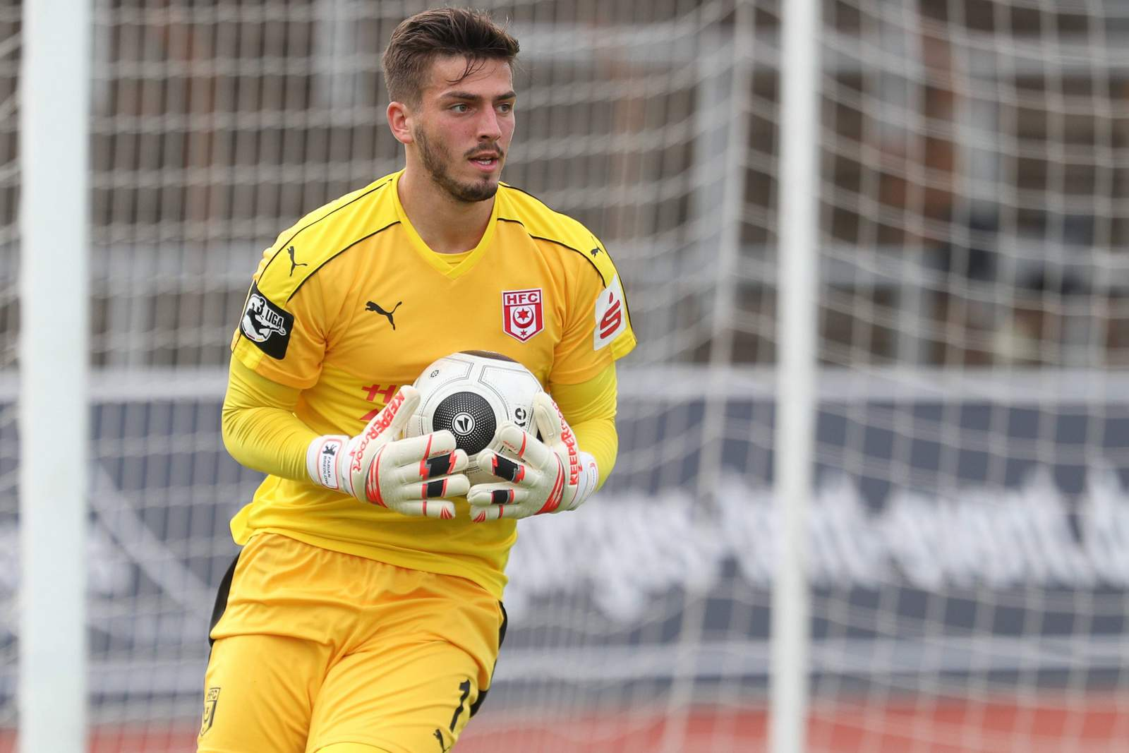 Fabian Bredlow, Rückhalt des Halleschen FC.