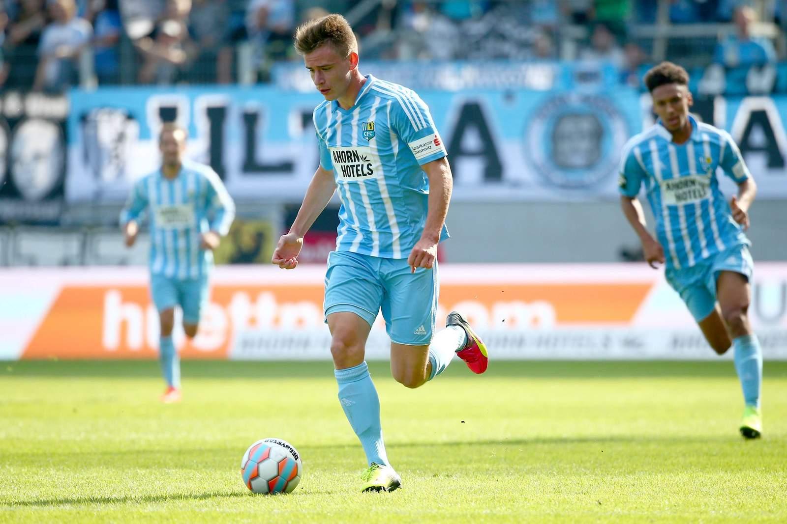 Florian Hansch vom Chemnitzer FC am Ball.