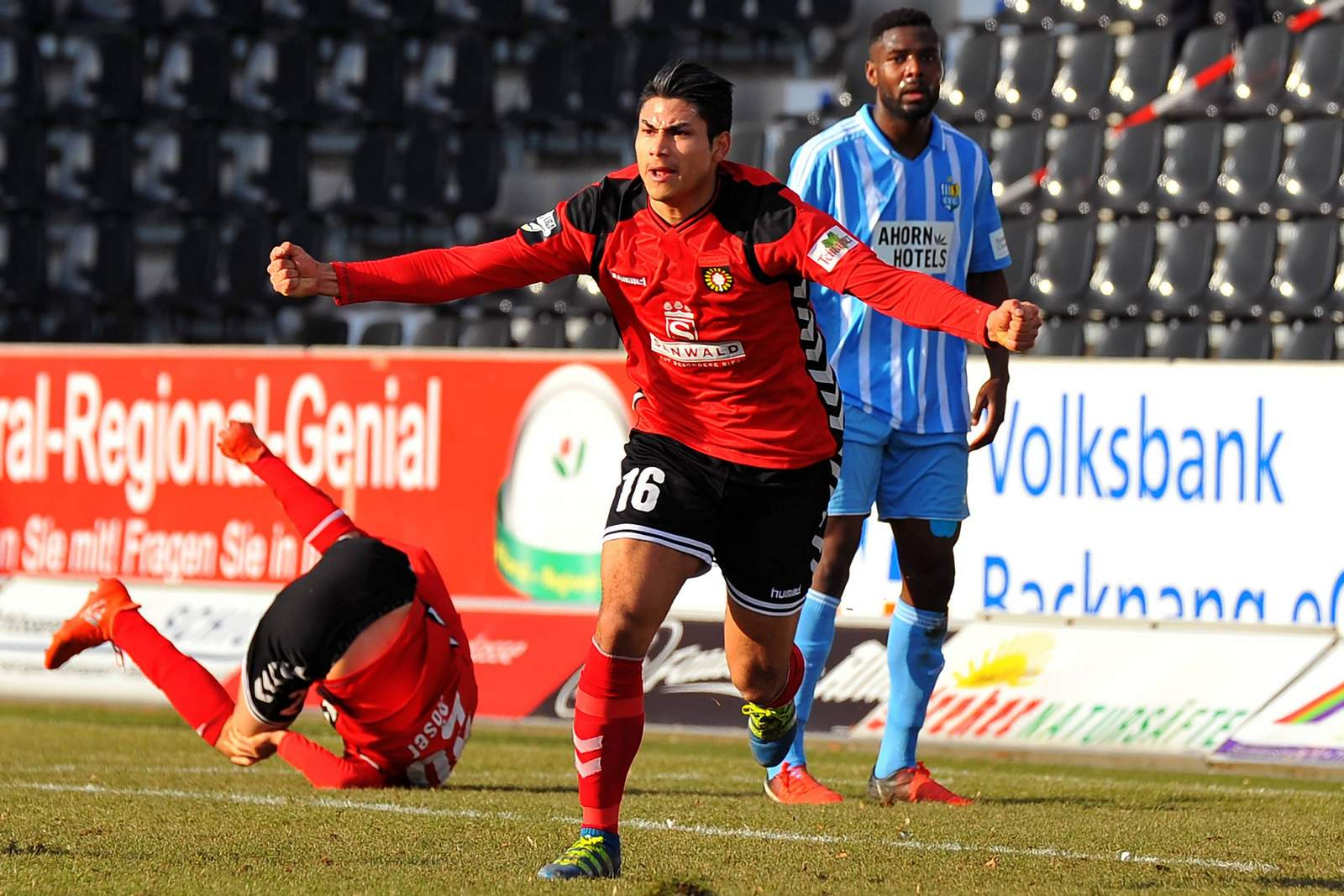 Mario Rodriguéz bejubelt sein Tor gegen Chemnitz.