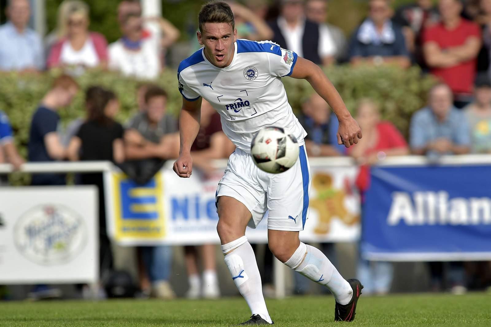 Matthias Rahn am Ball für die Sportfreunde Lotte