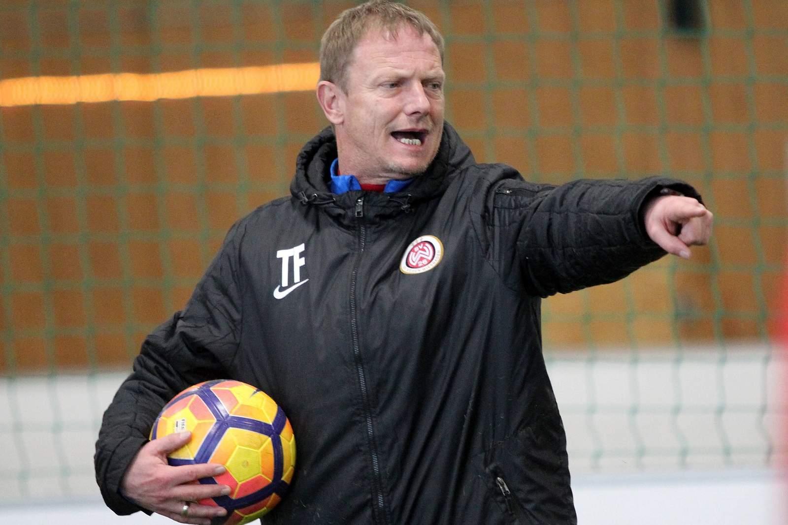 Torsten Fröhling als Trainer des SV Wehen Wiesbaden