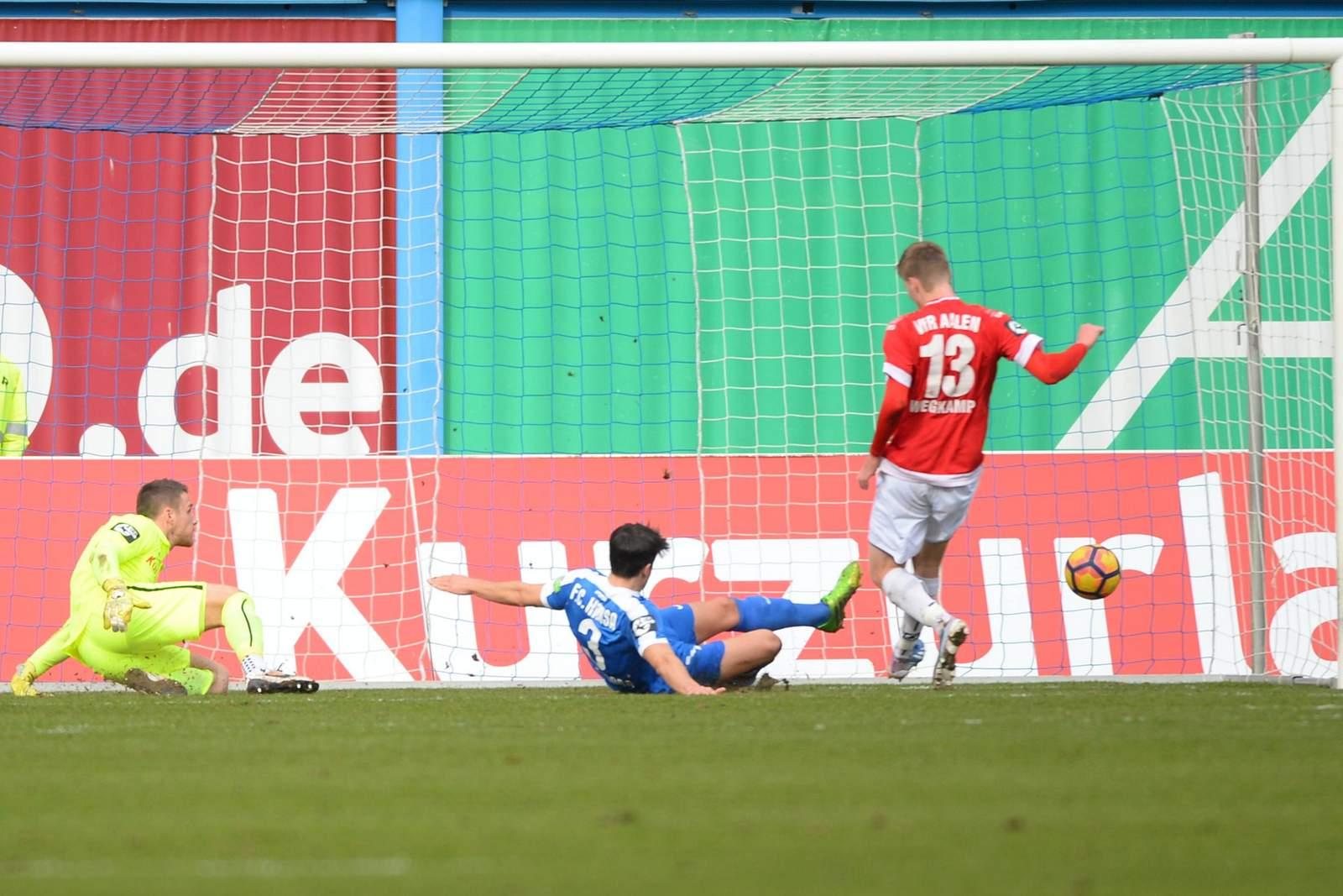 Gerrit Wegkamp trifft gegen Hansa Rostock