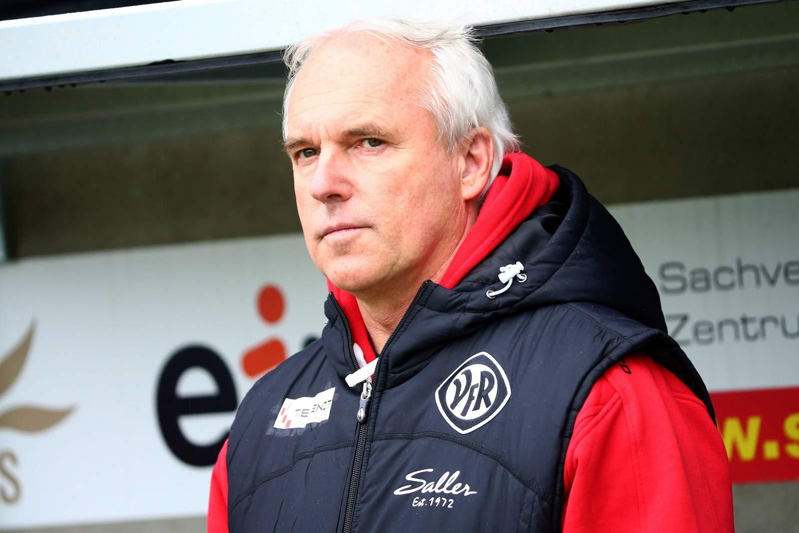 Peter Vollmann, Trainer des VfR Aalen.
