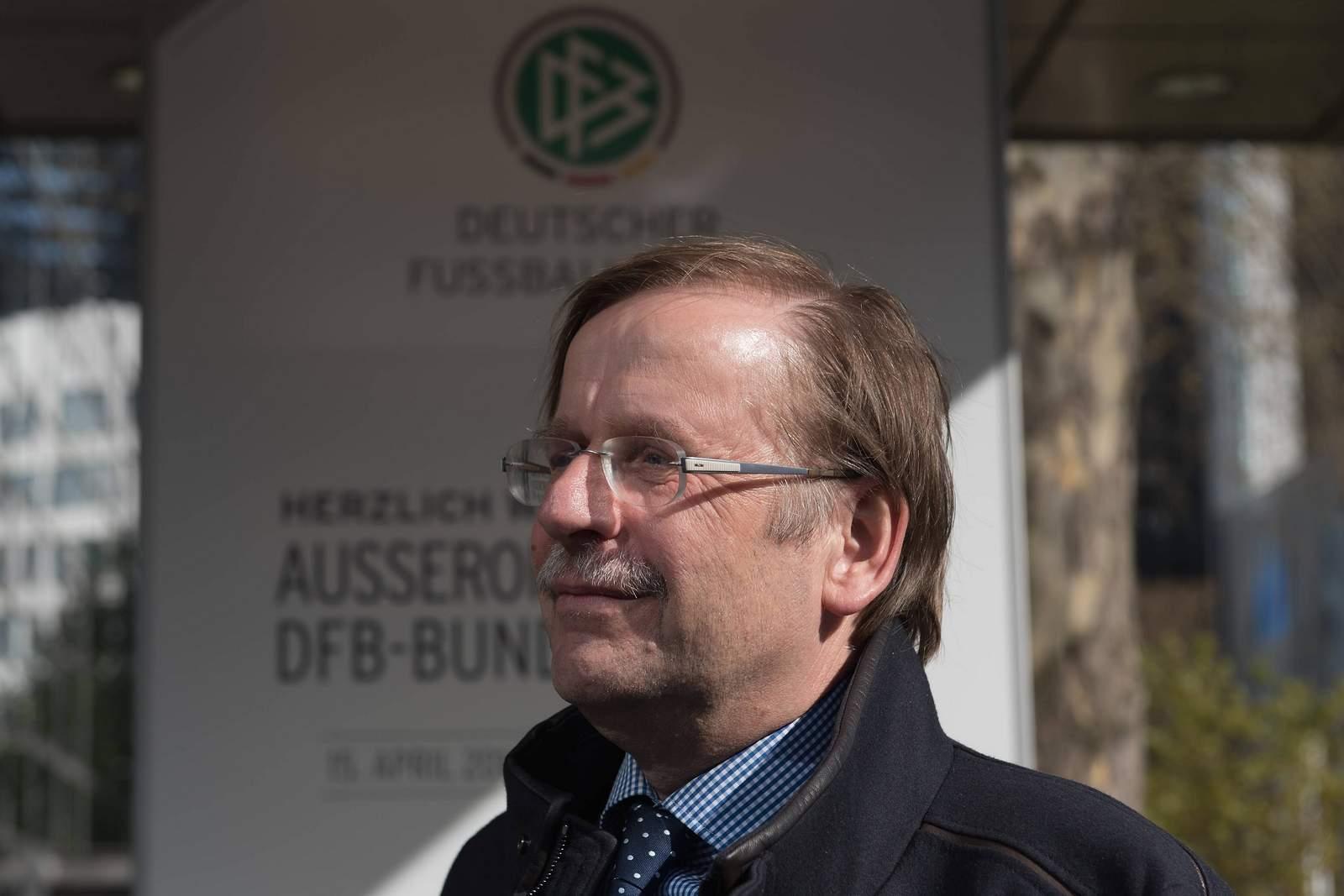 Rainer Koch beim außerordentlichen DFB-Bundestag