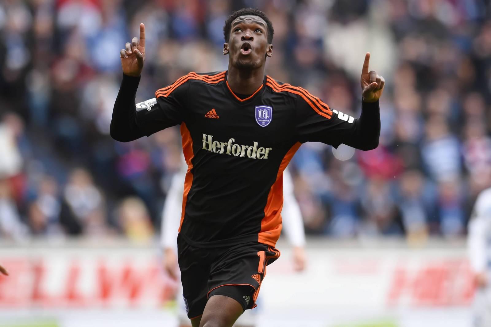 Kwasi Okyere Wriedt jubelt über eines seiner Tore.