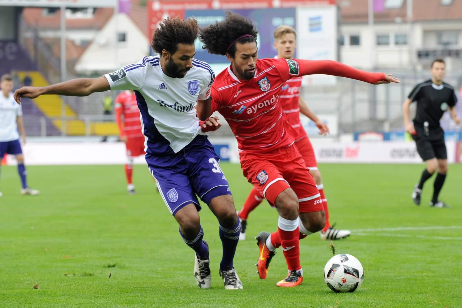 Haarige Angelegenheit zwischen La'Vere Corbin-Ong und Nazim Sangaré. Jetzt auf FSV Frankfurt gegen Osnabrück wetten!