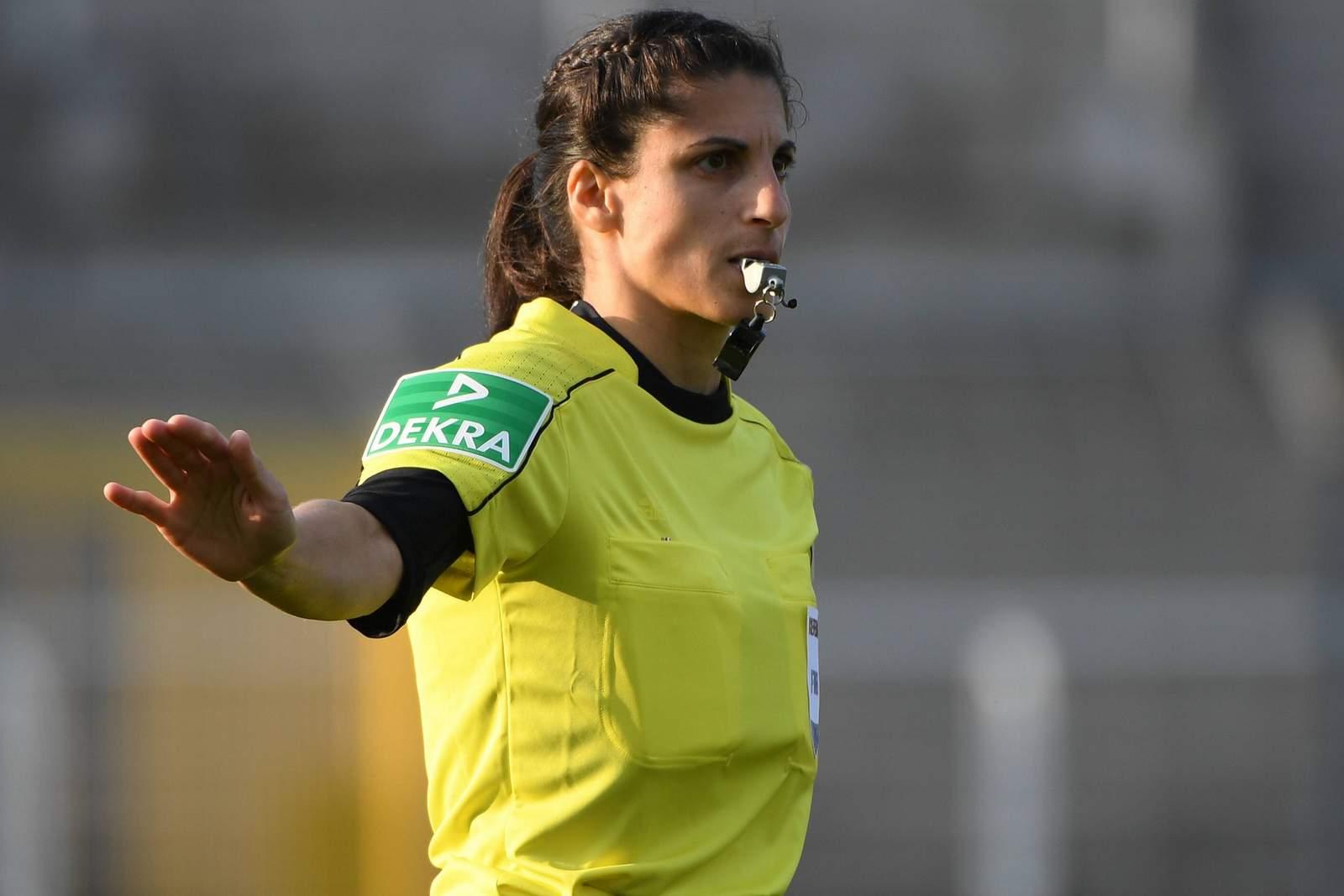 Schiedsrichterin Riem Hussein