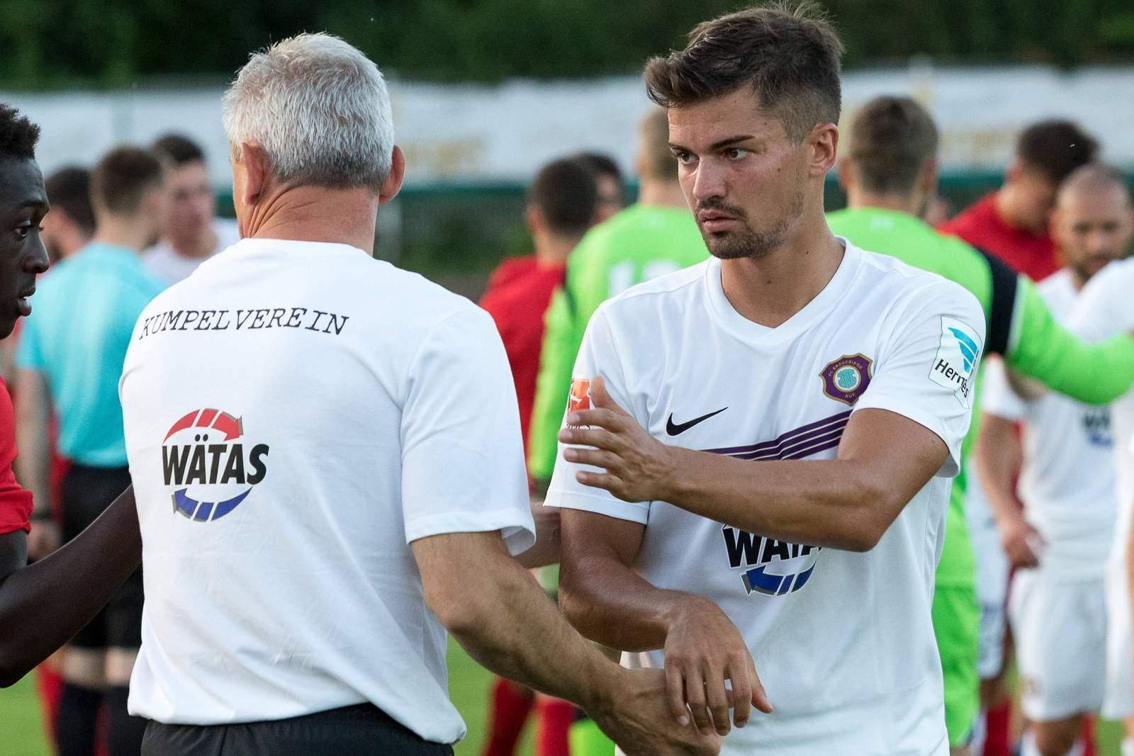 Julian Riedel und Pavel Dotchev von Aue