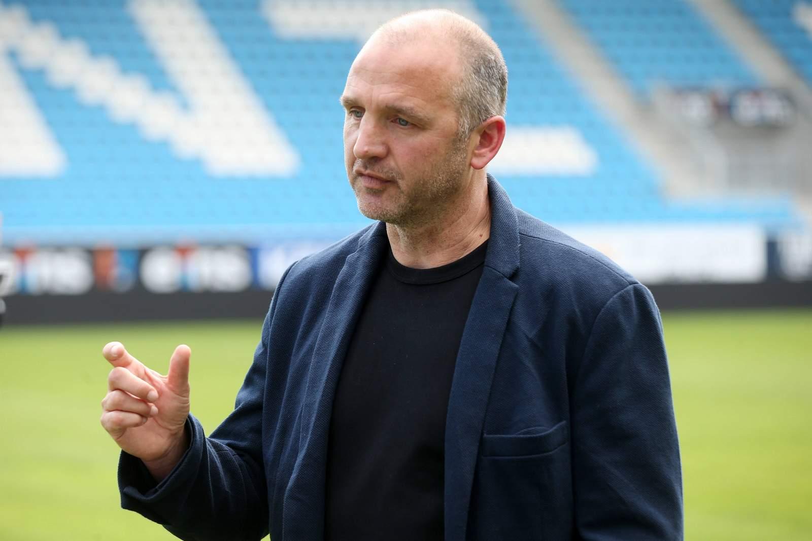 Lässt Emmanuel Mbende nicht ziehen: CFC-Sportchef Steffen Ziffert