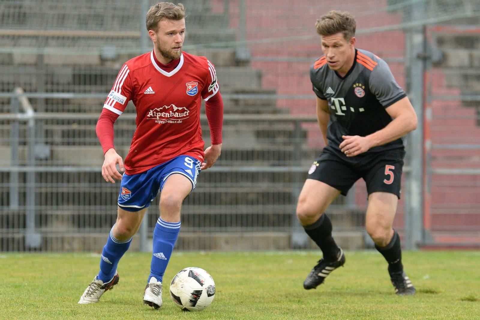 Ziel Klassenerhalt: Hachings Stürmer Stephan Hain (l.)
