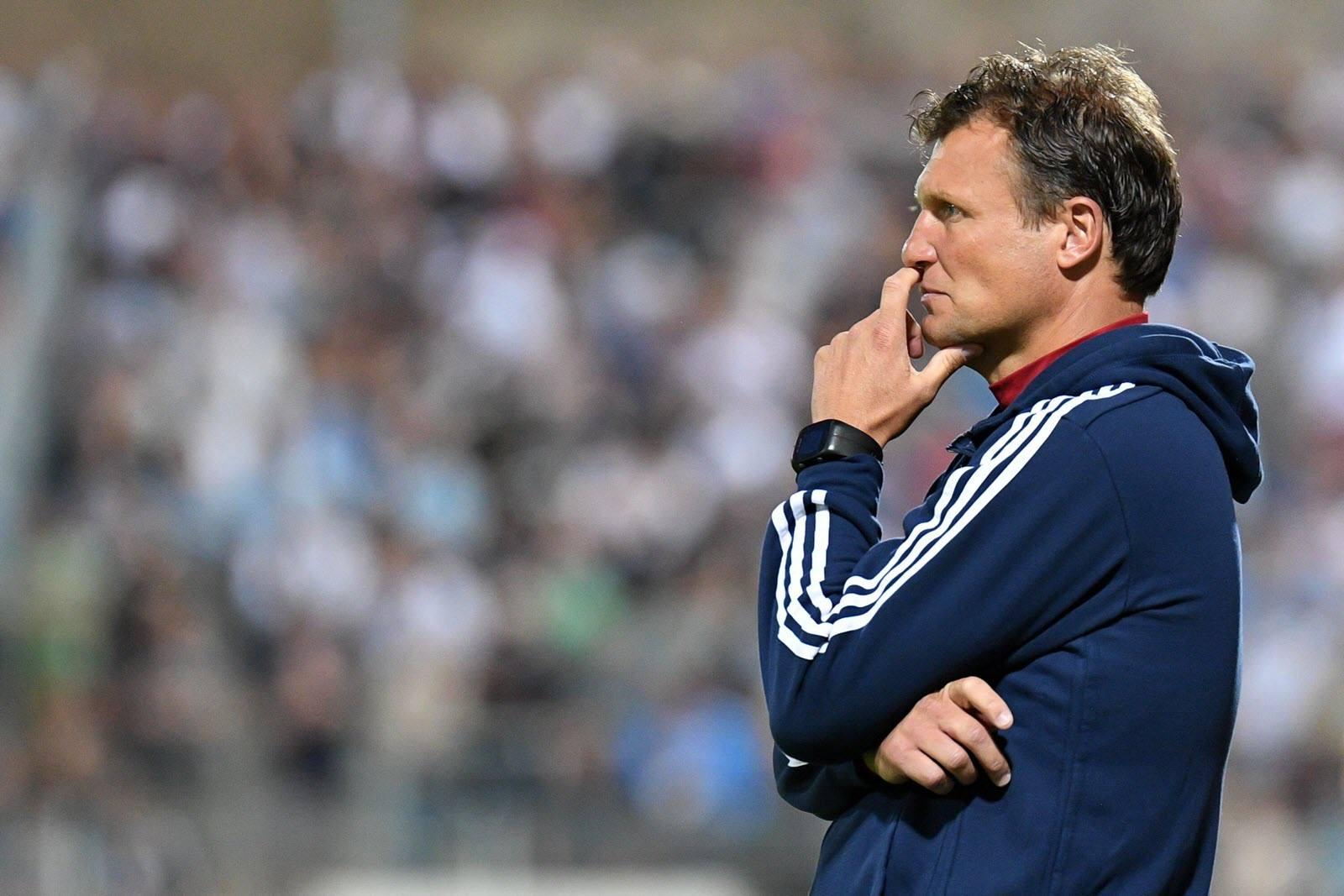 Fühlt keinen Druck: Hachings Coach Claus Schromm
