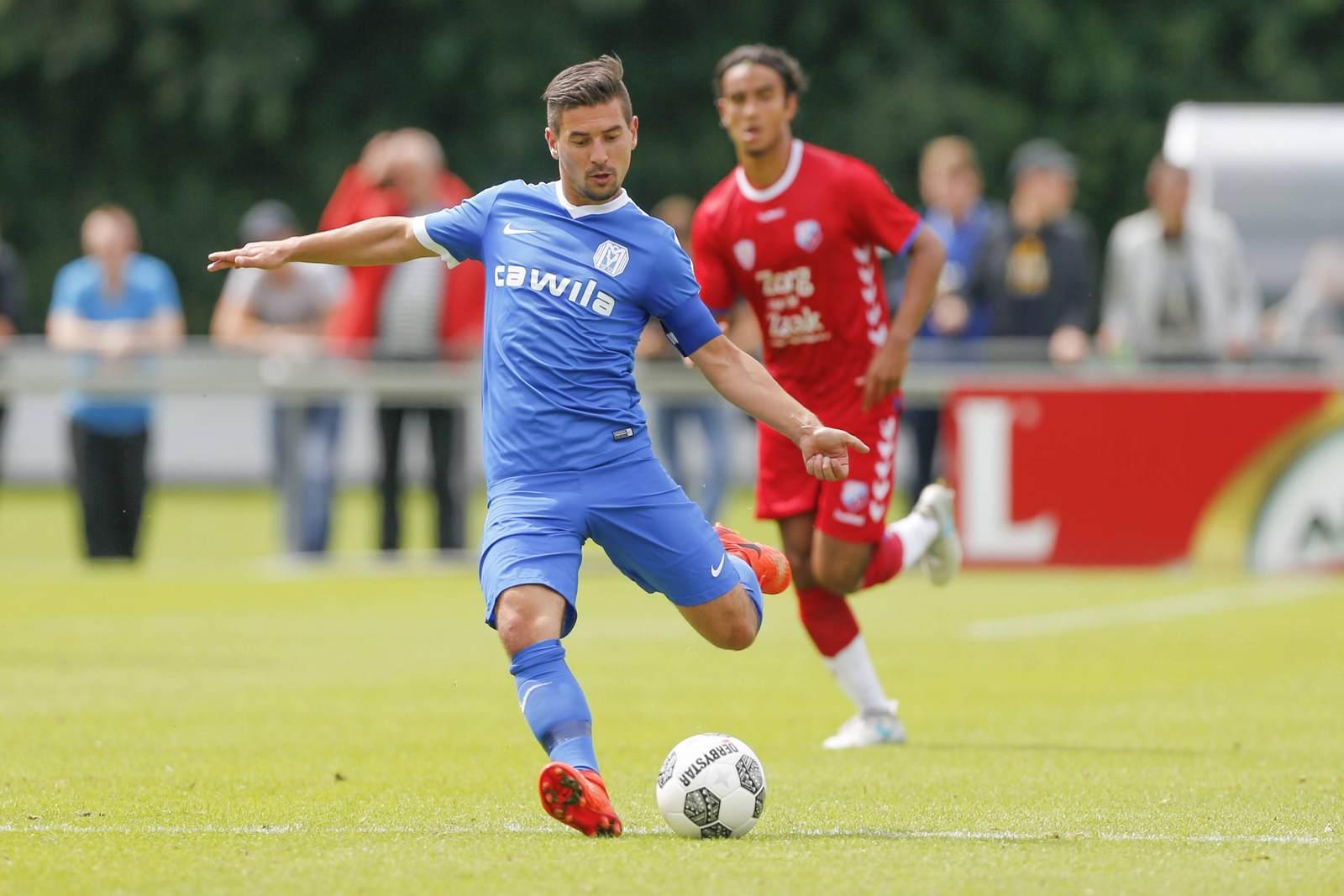 Martin Wagner vom SV Meppen am Ball