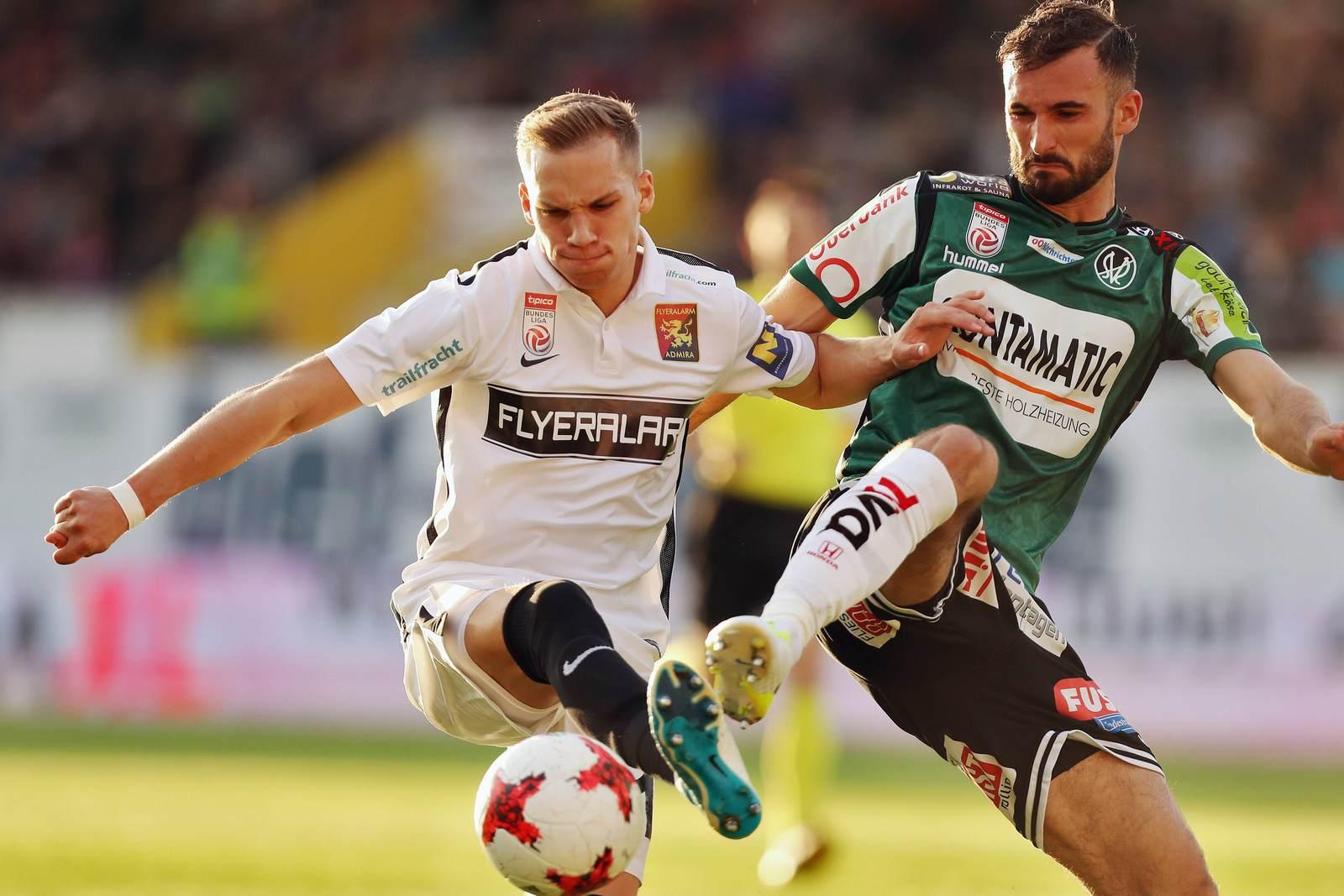 Nico Antonitsch im Duell mit Christoph Monschein. Jetzt steht der Antonitsch Wechsel nach Zwickau fest.
