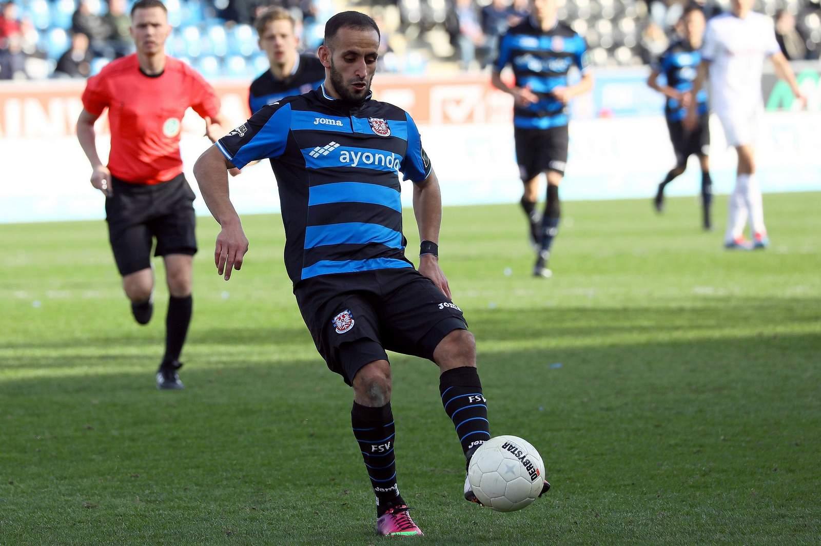 Smail Morabit, hier im Trikot des FSV Frankfurt, spricht bei Liga-Drei.de unter Anderem über die Gründe für seine Suspendierung