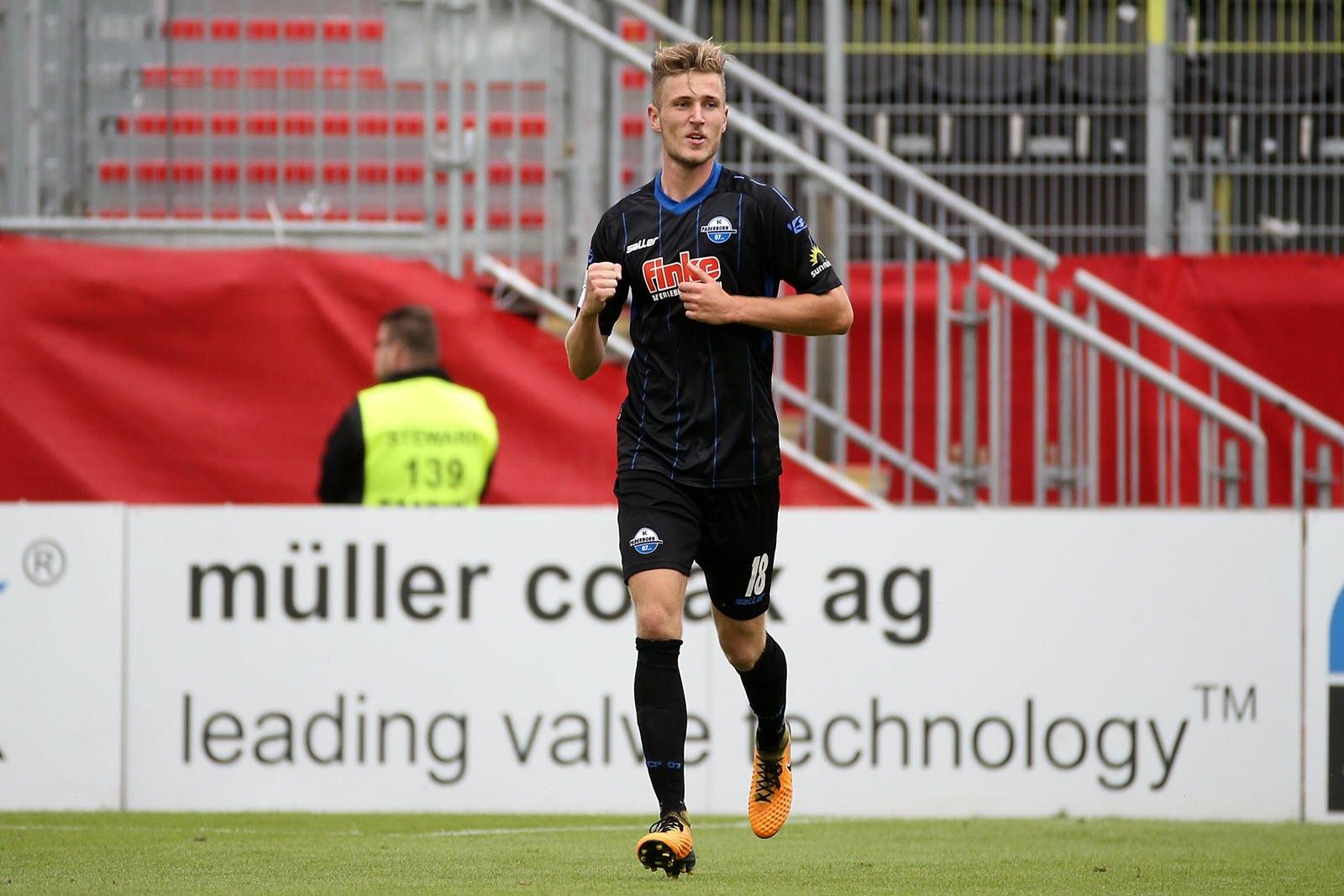 Dennis Srbeny jubelt für den SC Paderborn