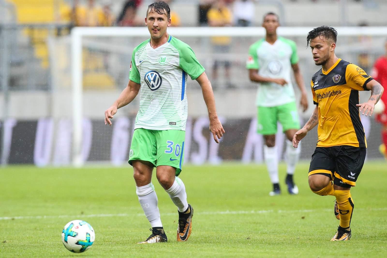 Paul Seguin im Duell mit Sascha Horvath. Seguin war beim 1. FC Magdeburg im Gespräch.