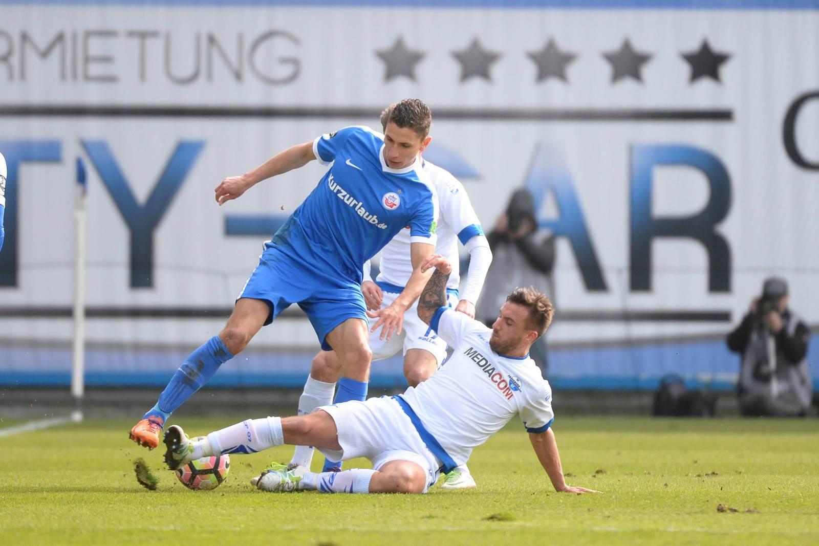 Soufian Benyamina gegen Robin Krauße. Wer gewinnt das Duell zwischen Paderborn und Rostock?
