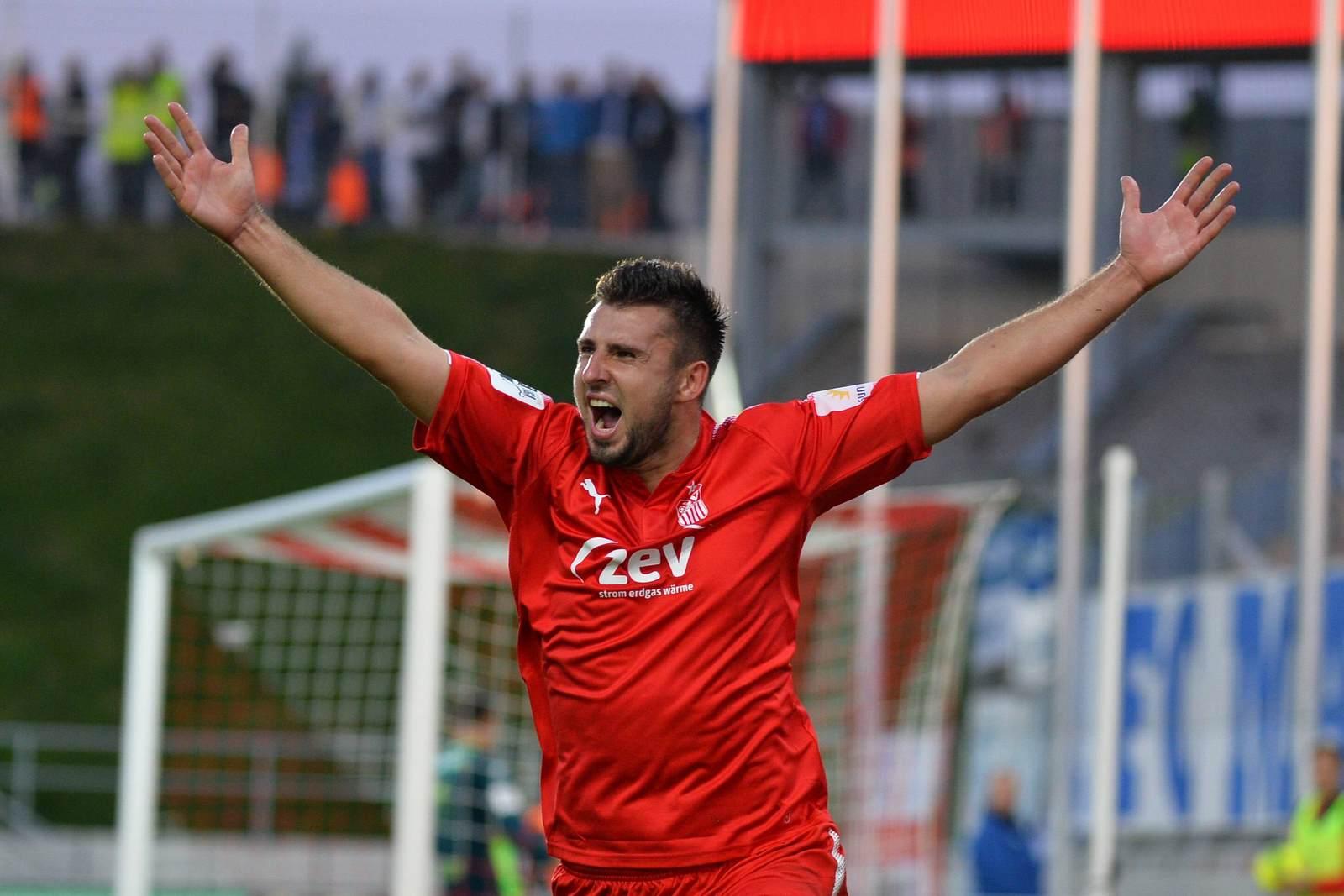 Davy Frick jubelt nach seinem Treffer gegen den 1. FC Magdeburg