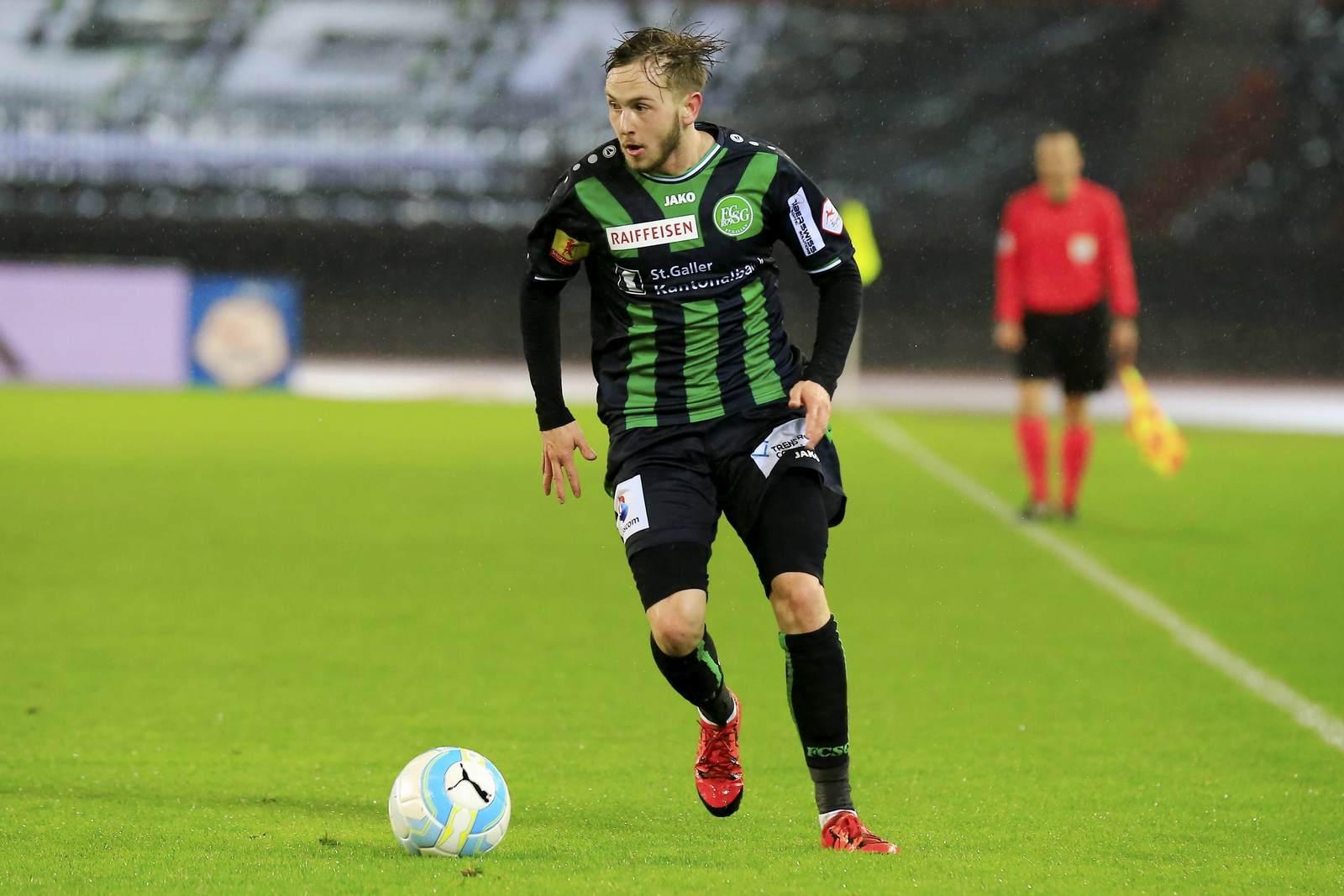 Lucas Cueto am Ball für den FC St. Gallen. Für seinen neuen Klub Münster bestritt er verletzungsbedingt noch kein Spiel