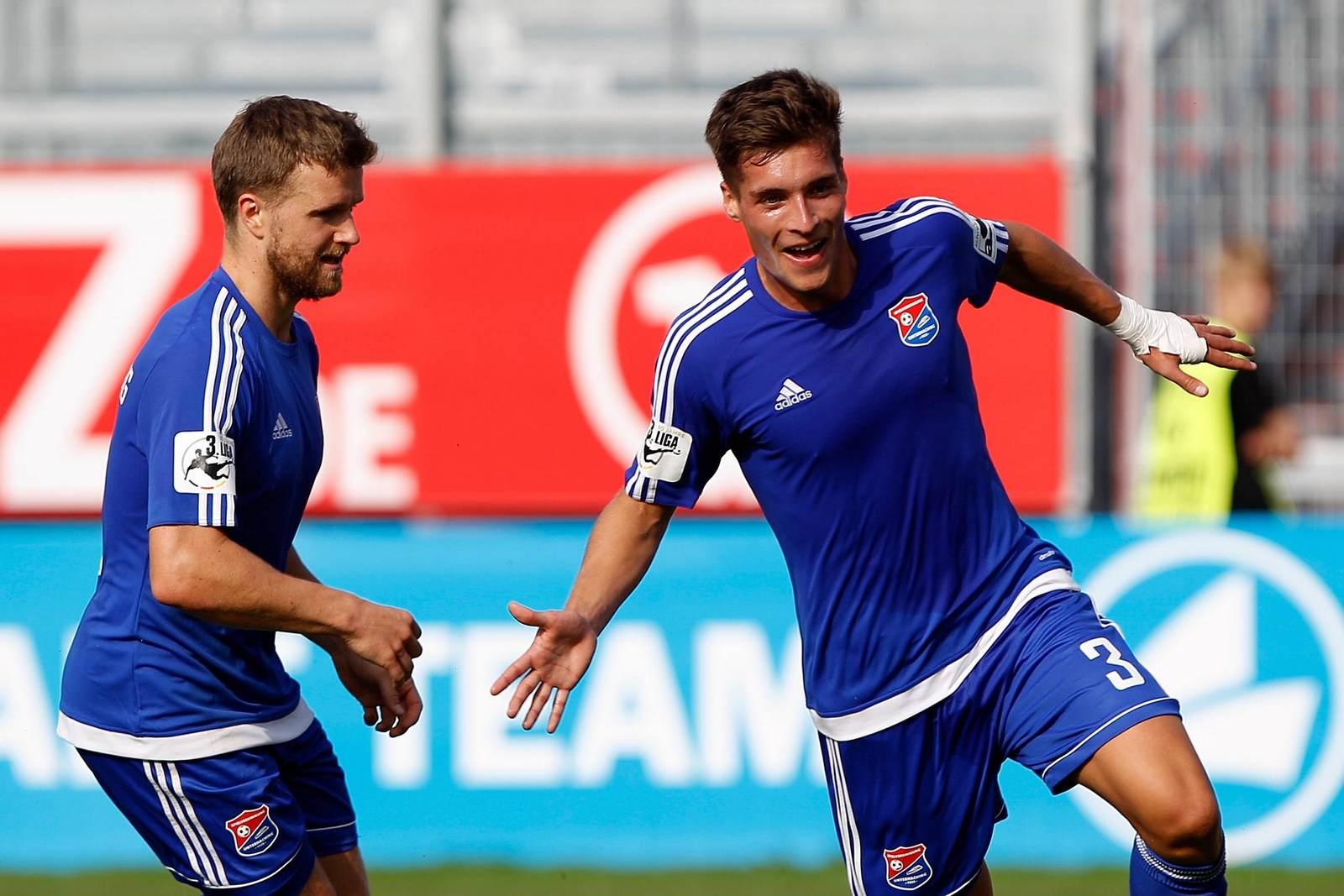 Stephan Hain und Thomas Hagn beim Torjubel.