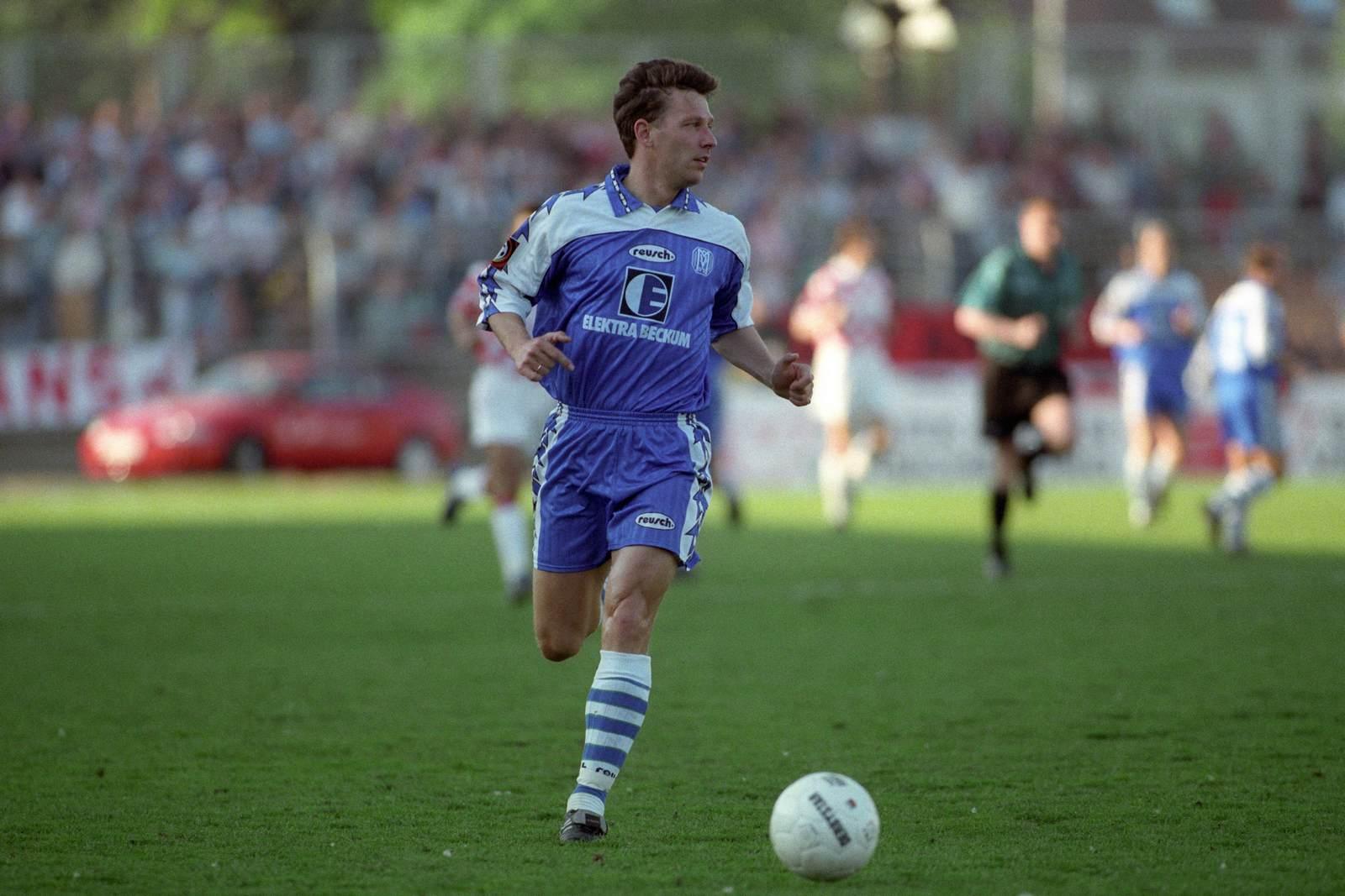 Andreas Helmer am Ball für den SV Meppen
