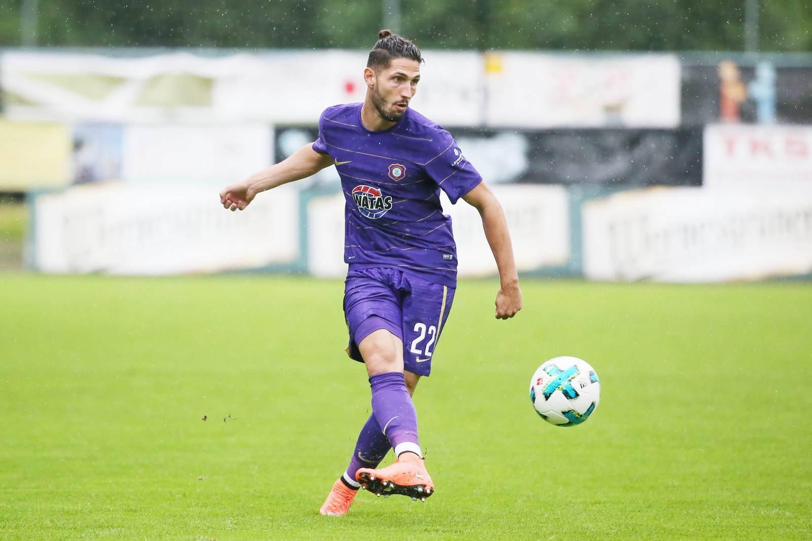 Fabio Kaufmann am Ball für Erzgebirge Aue