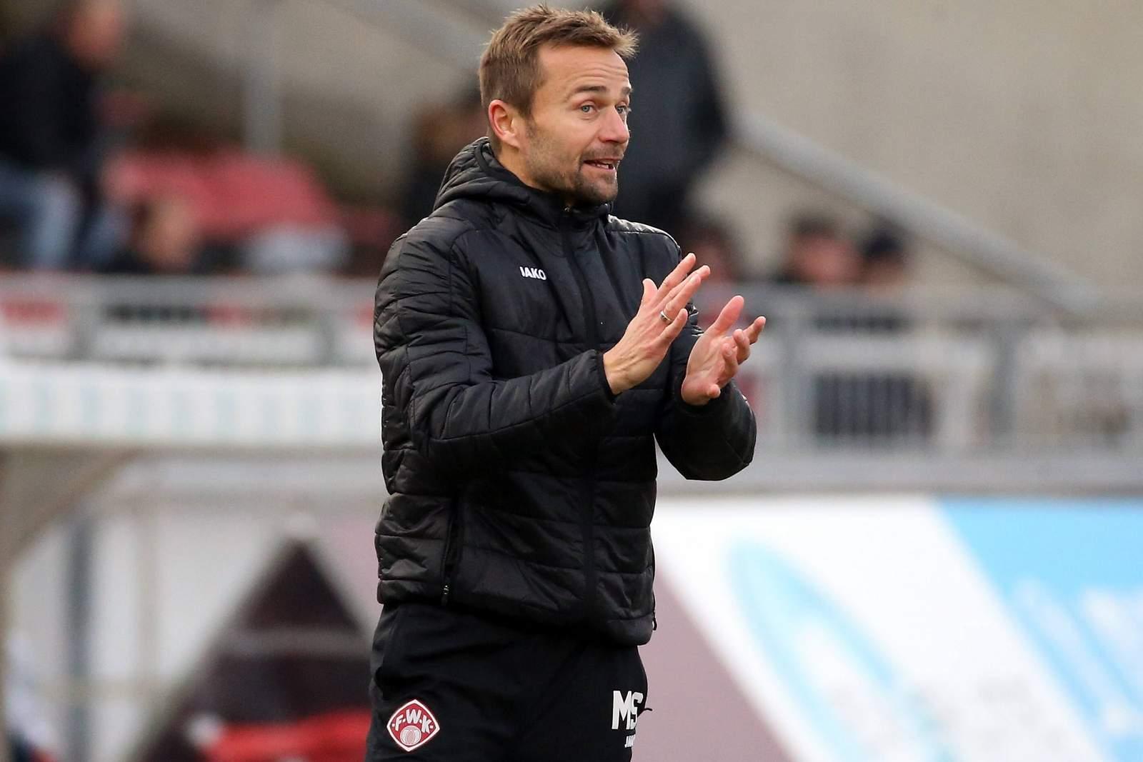Darf auf neuen Vertrag hoffen: Würzburgs Trainer Michael Schiele
