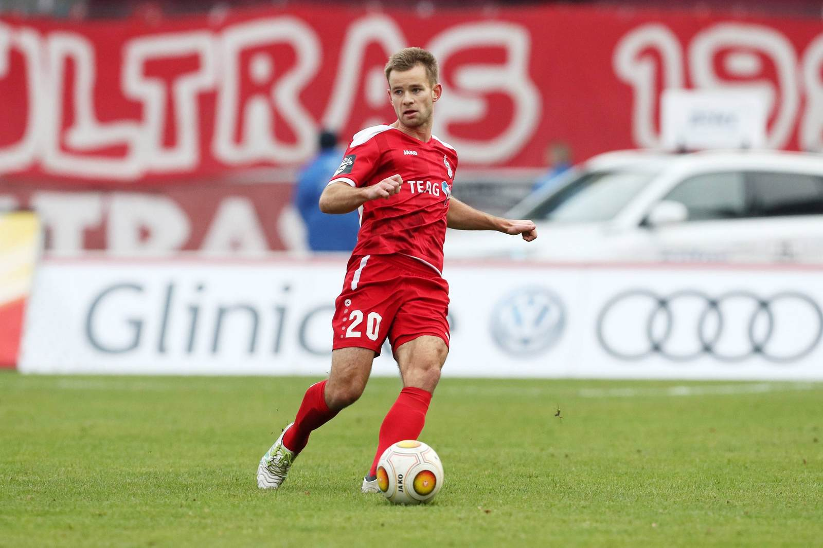 Mikko Sumusalo im Trikot von Rot Weiß Erfurt