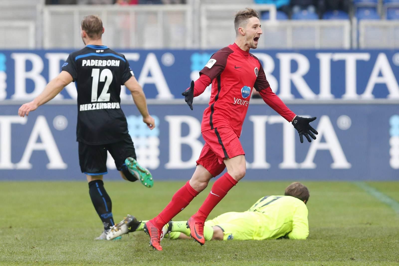 Stephan Andrist nach einem Tor gegen Paderborn