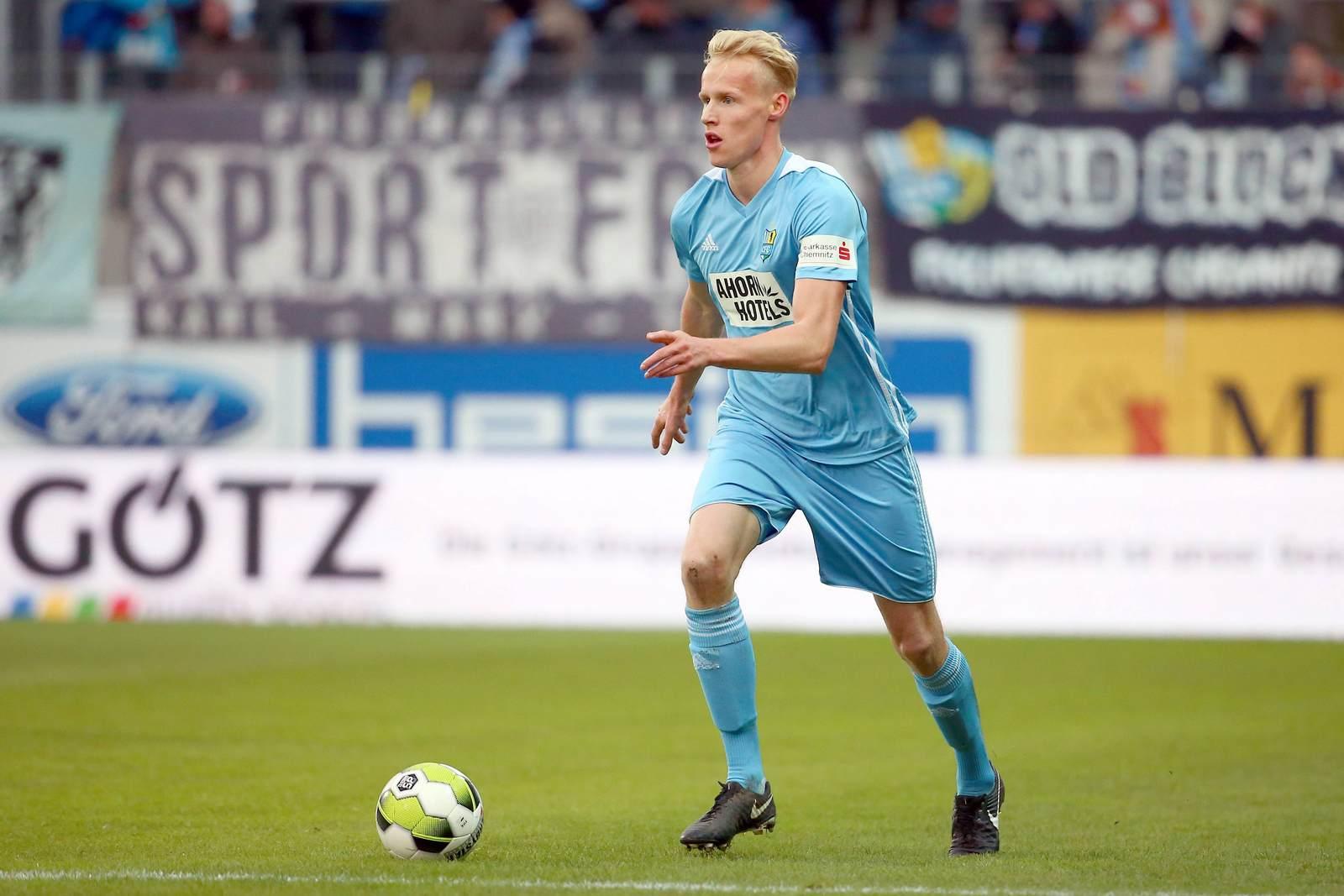 Tom Scheffel am Ball für den Chemnitzer FC