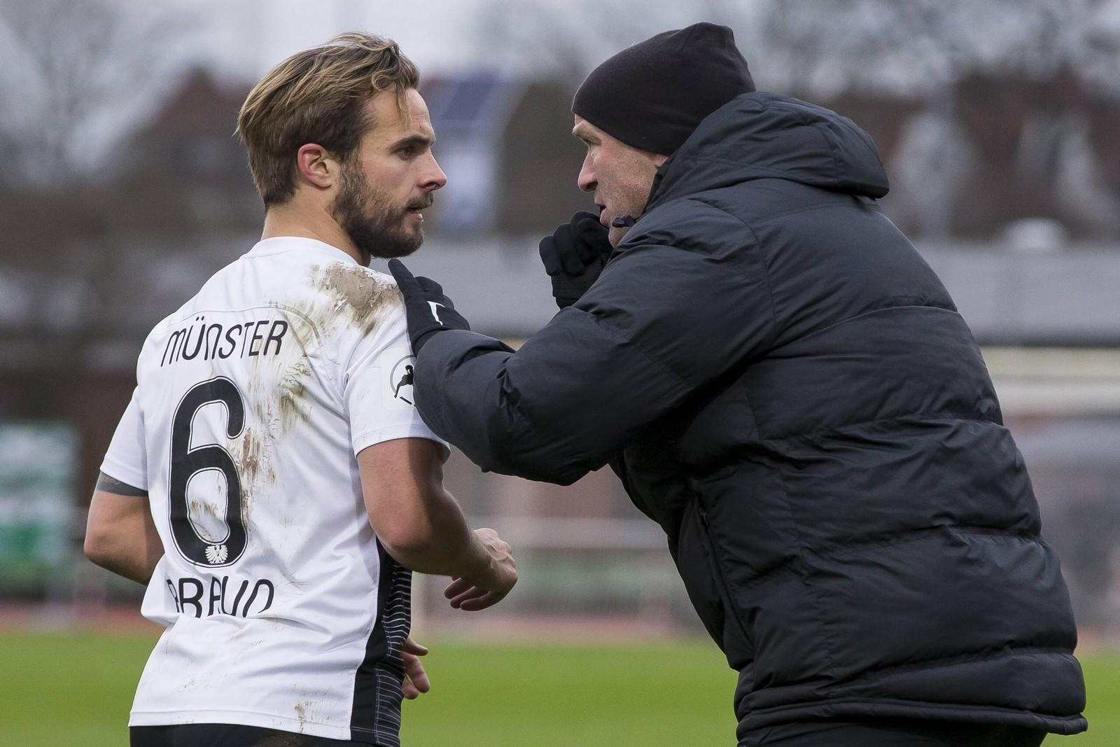 Sandrino Braun und Trainer Marco Antwerpen von Preußen Münster