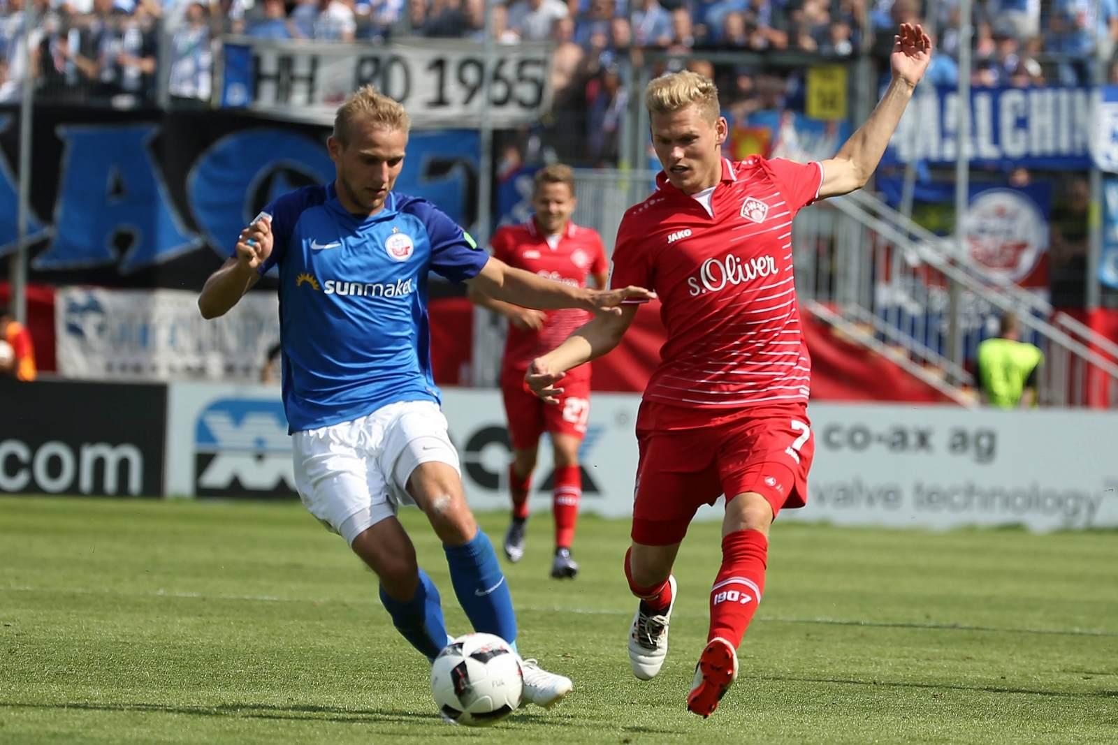 Stefan Wannenwetsch im Duell mit Felix Müller.