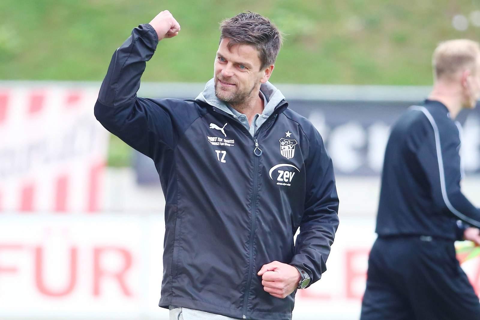 Torsten Ziegner jubelt nach Tor für FSV Zwickau