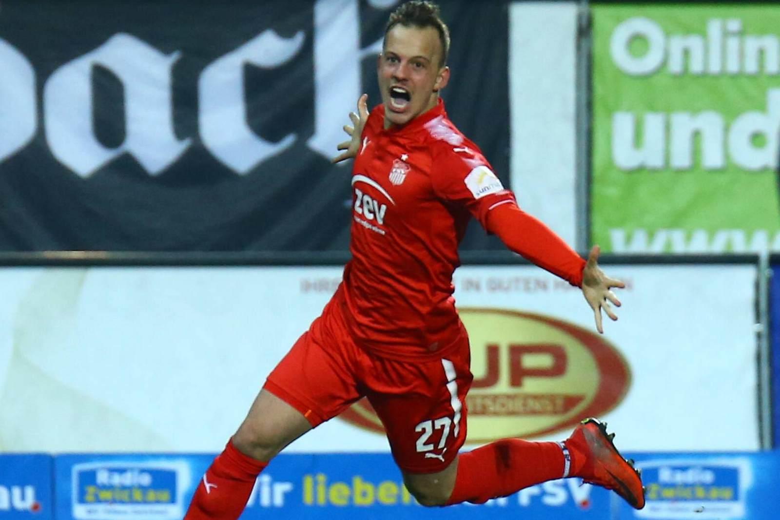 Fabian Schnabel jubelt für den FSV Zwickau