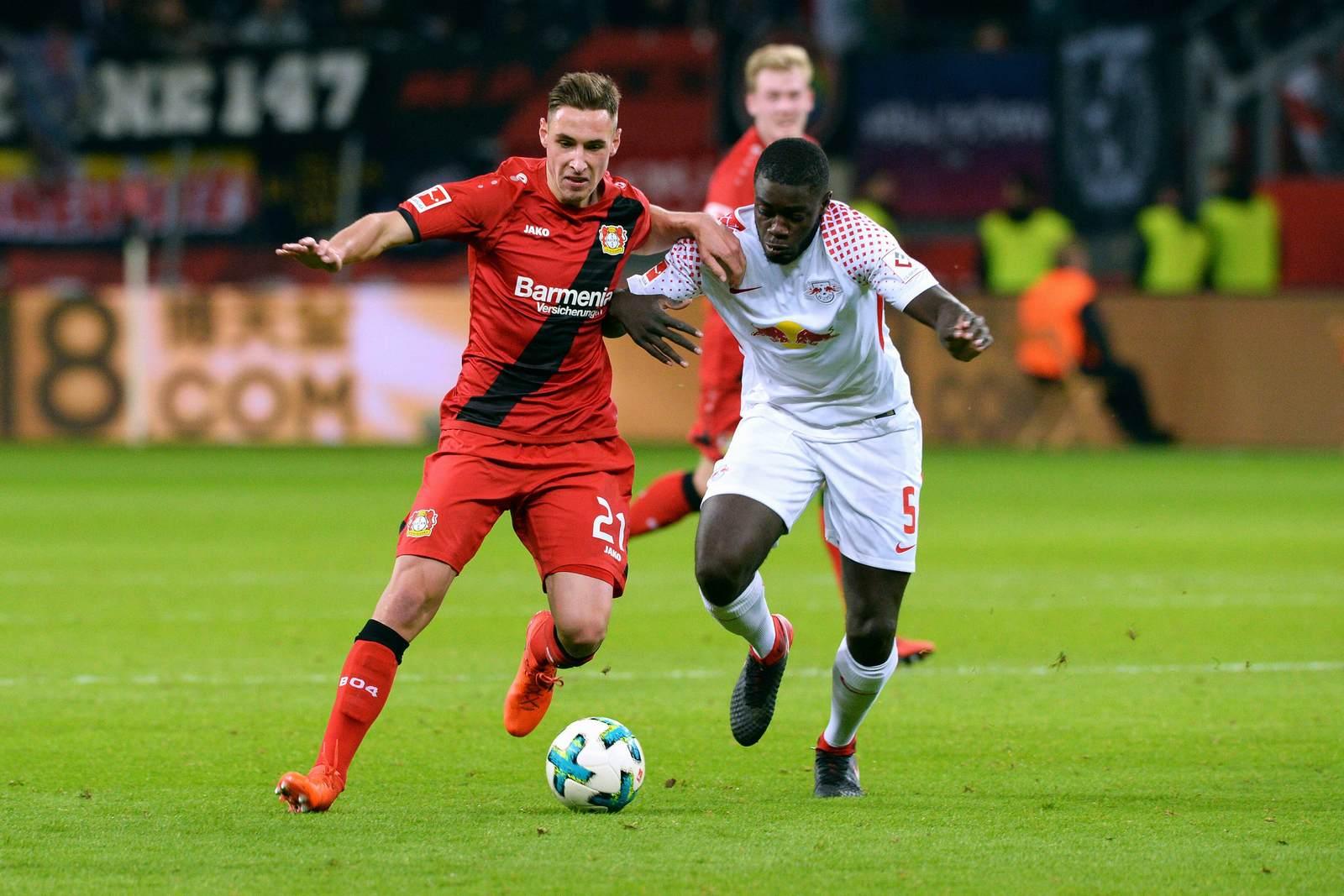 Dominik Kohr gegen Dayot Upamecano. Jetzt auf die Partie Leipzig gegen Leverkusen wetten