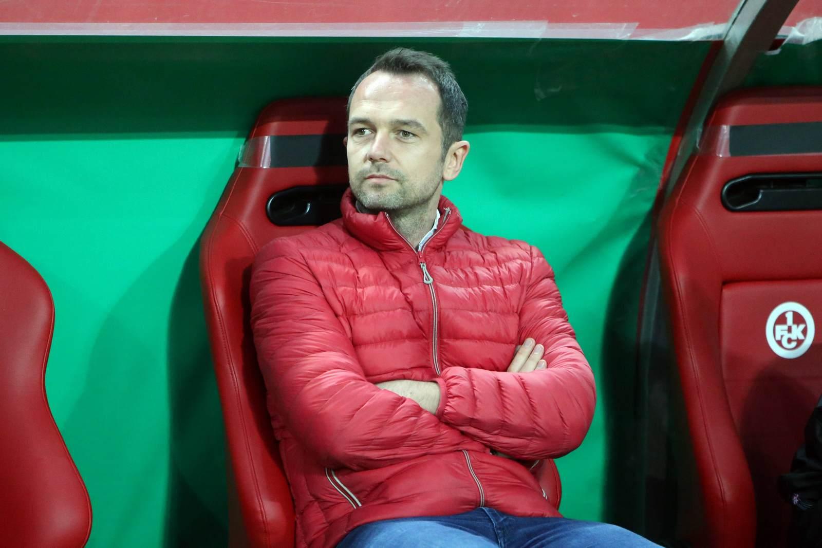 Boris Notzon auf der Bank des 1. FC Kaiserslautern