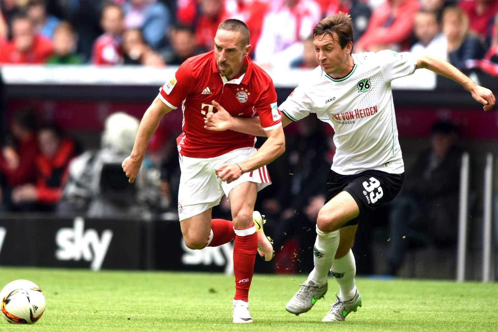 Zweikampf zwischen Ribery und Arkenberg