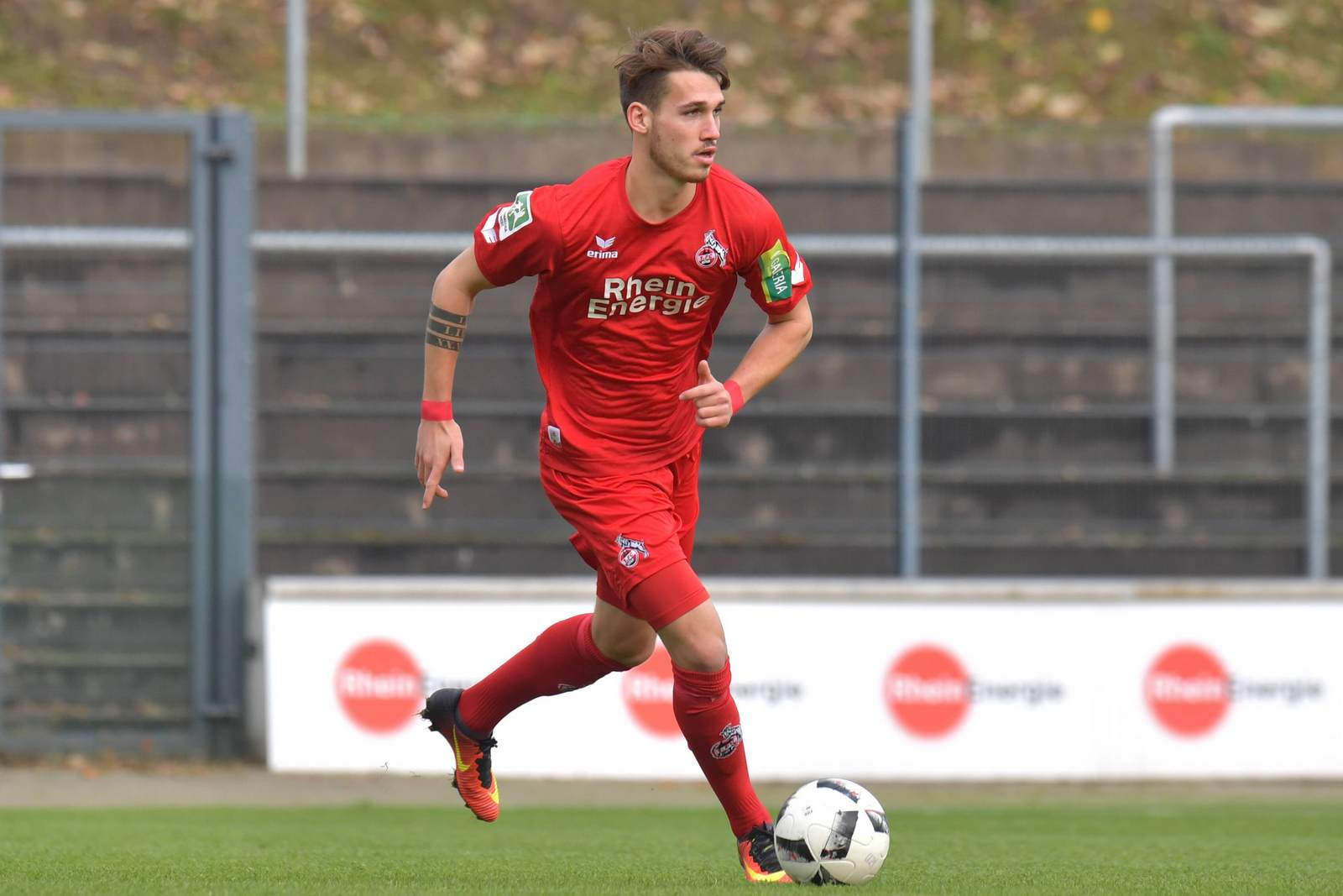 Jonas Hildebrandt am Ball für Köln II