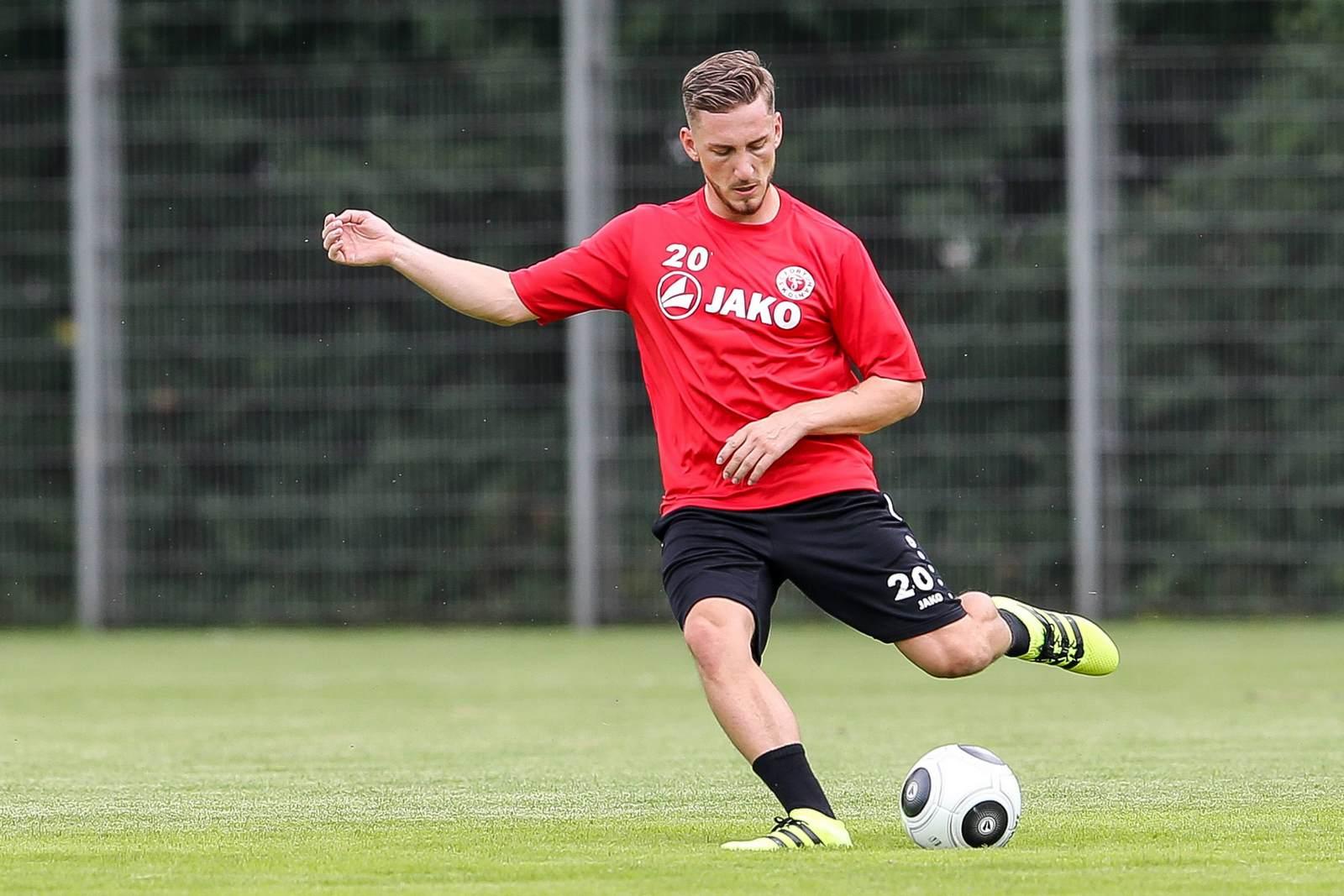 Robin Scheu am Ball für Fortuna Köln