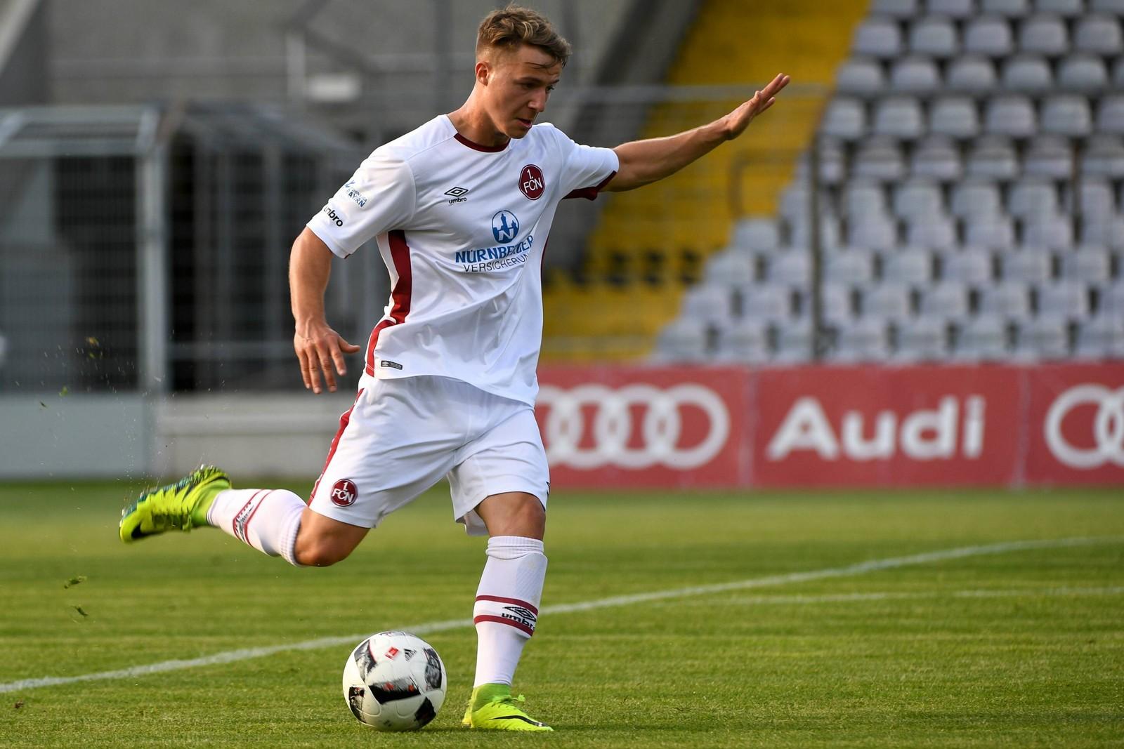 Jonas Hofmann am Ball für die U23 des 1. FC Nürnberg