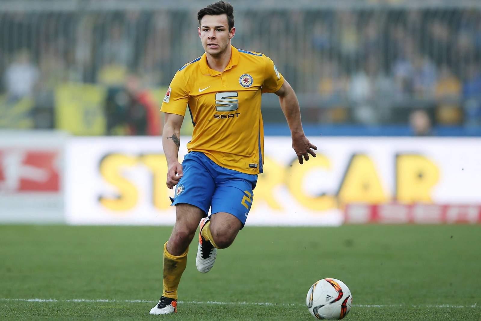 Niko Kijewski ist Linksverteidiger bei Eintracht Braunschweig