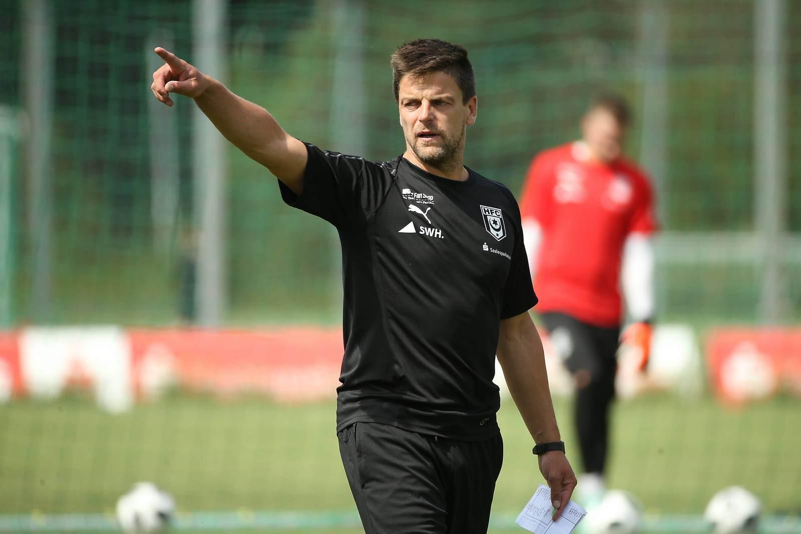 Glaubt an seinen Kader: Halles Trainer Torsten Ziegner