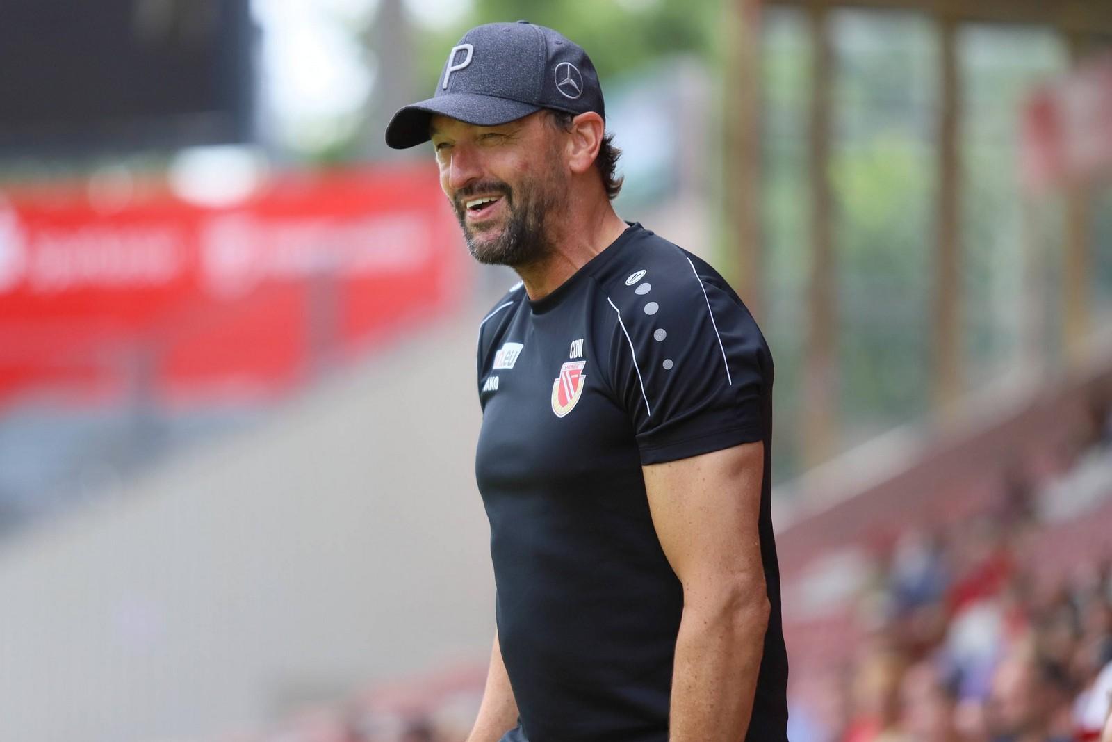 Pele Wollitz trainiert den FC Energie Cottbus