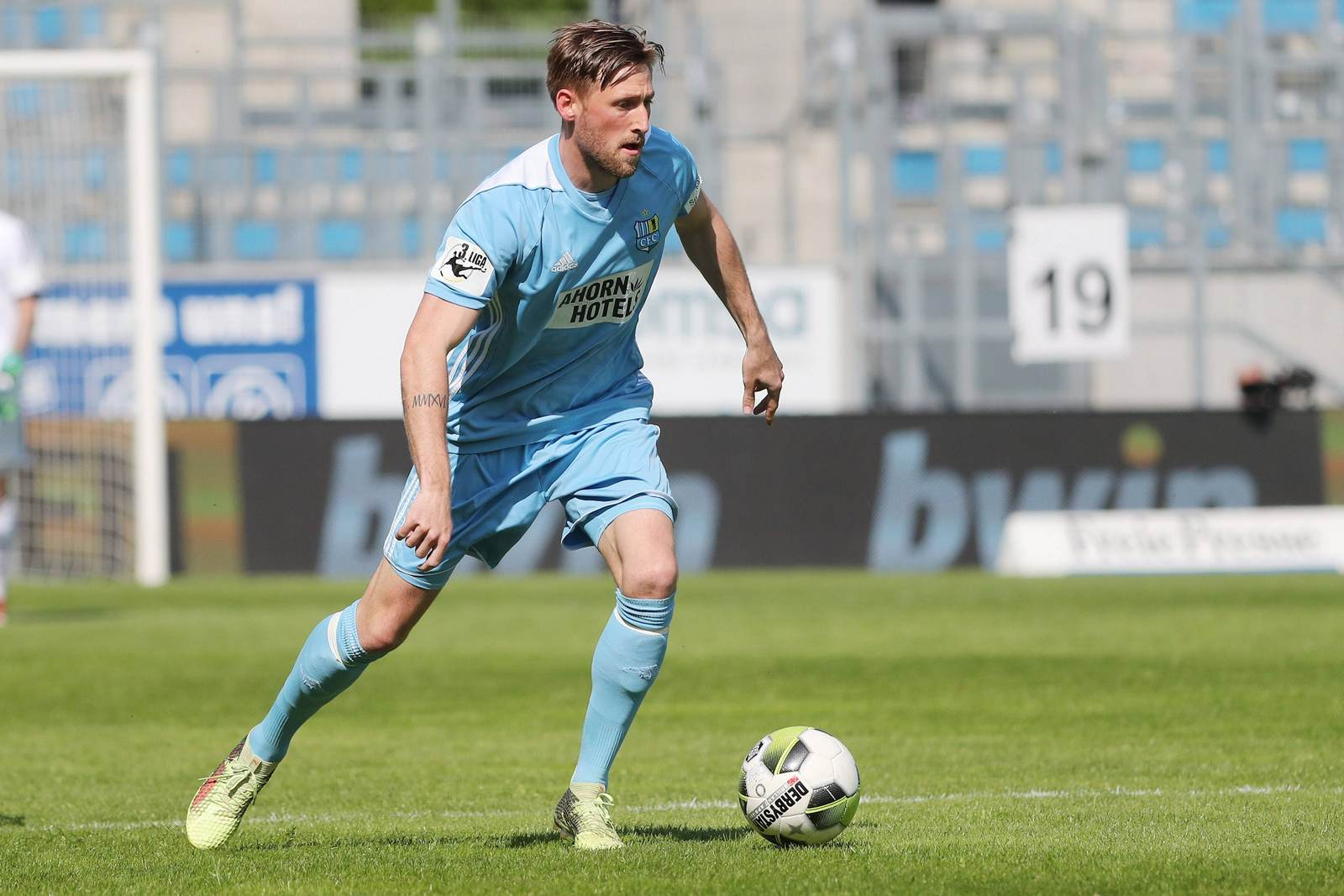 Björn Kluft am Ball für den Chemnitzer FC